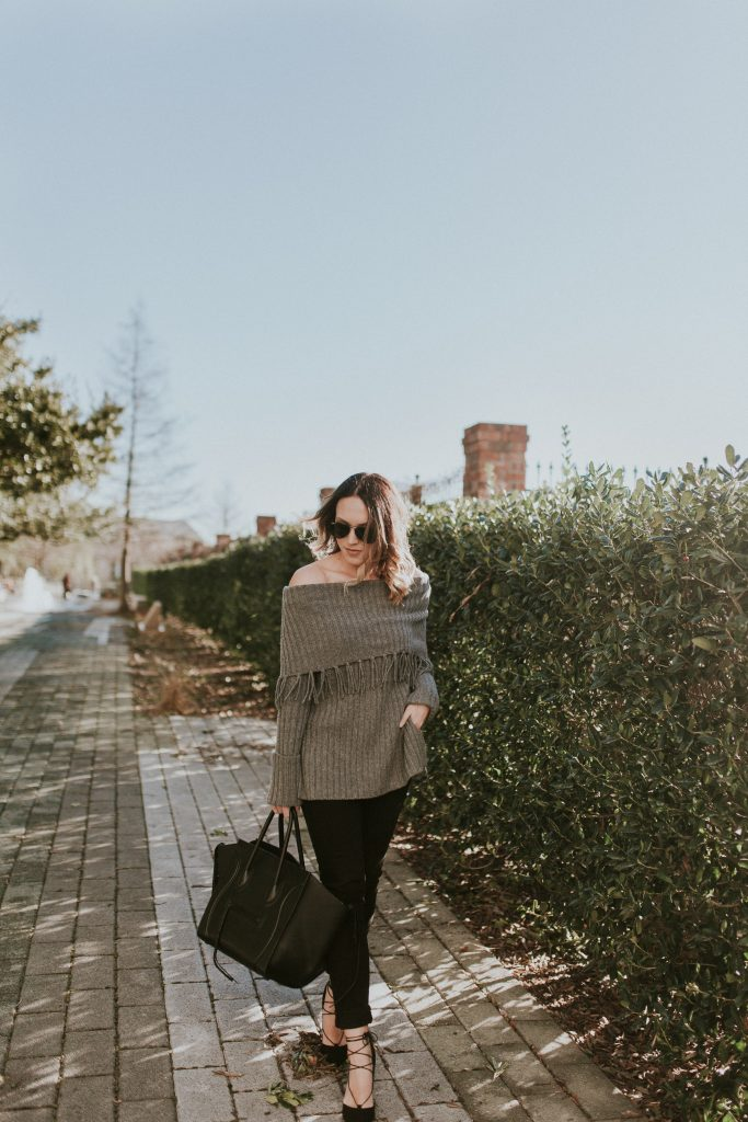 Blogger-Gracefully-Taylored-in-Last-Call-Sweater5-683x1024.jpg
