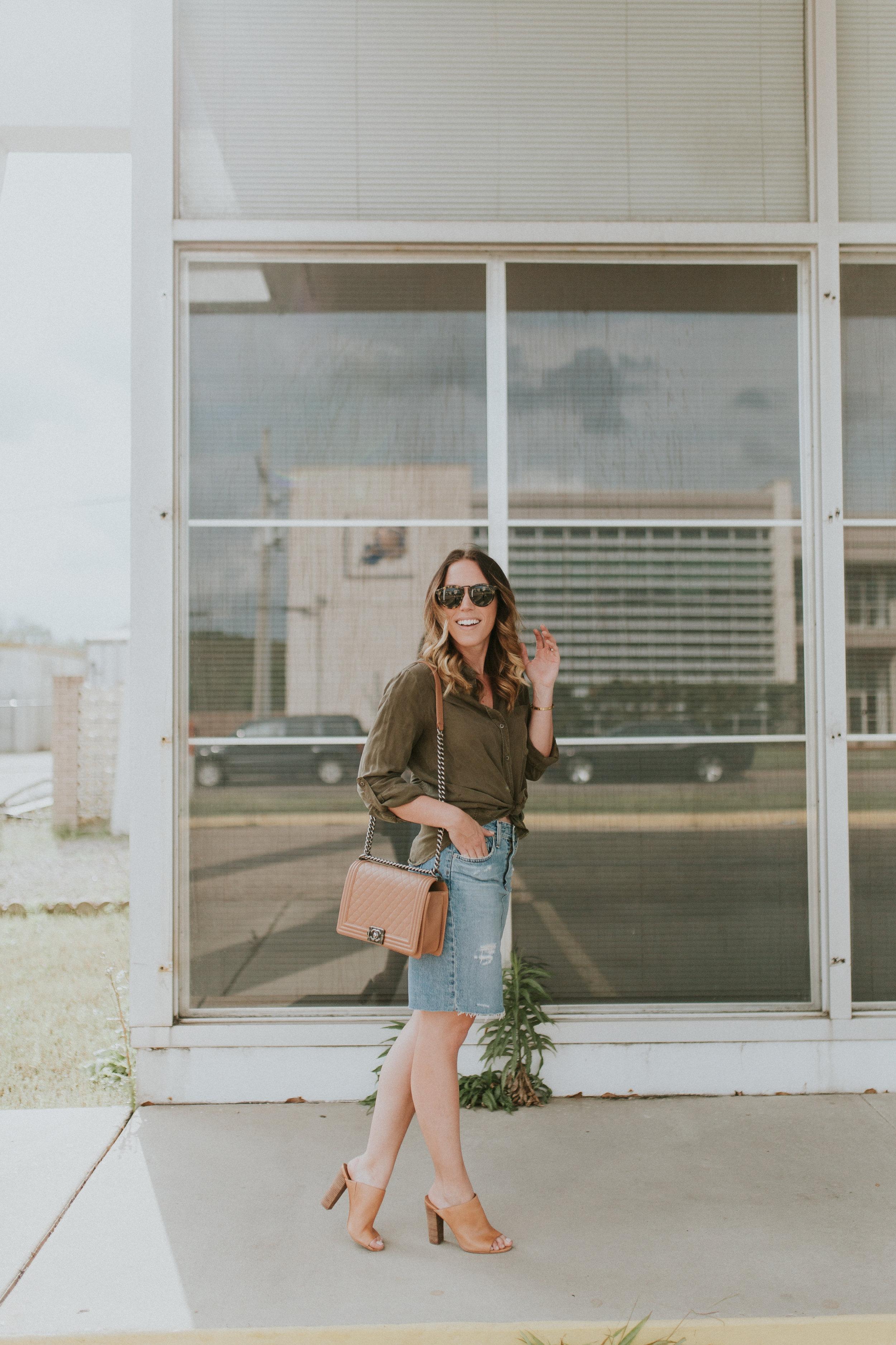 Blogger Gracefully Taylored in Denim Pencil Skirt(24).jpg