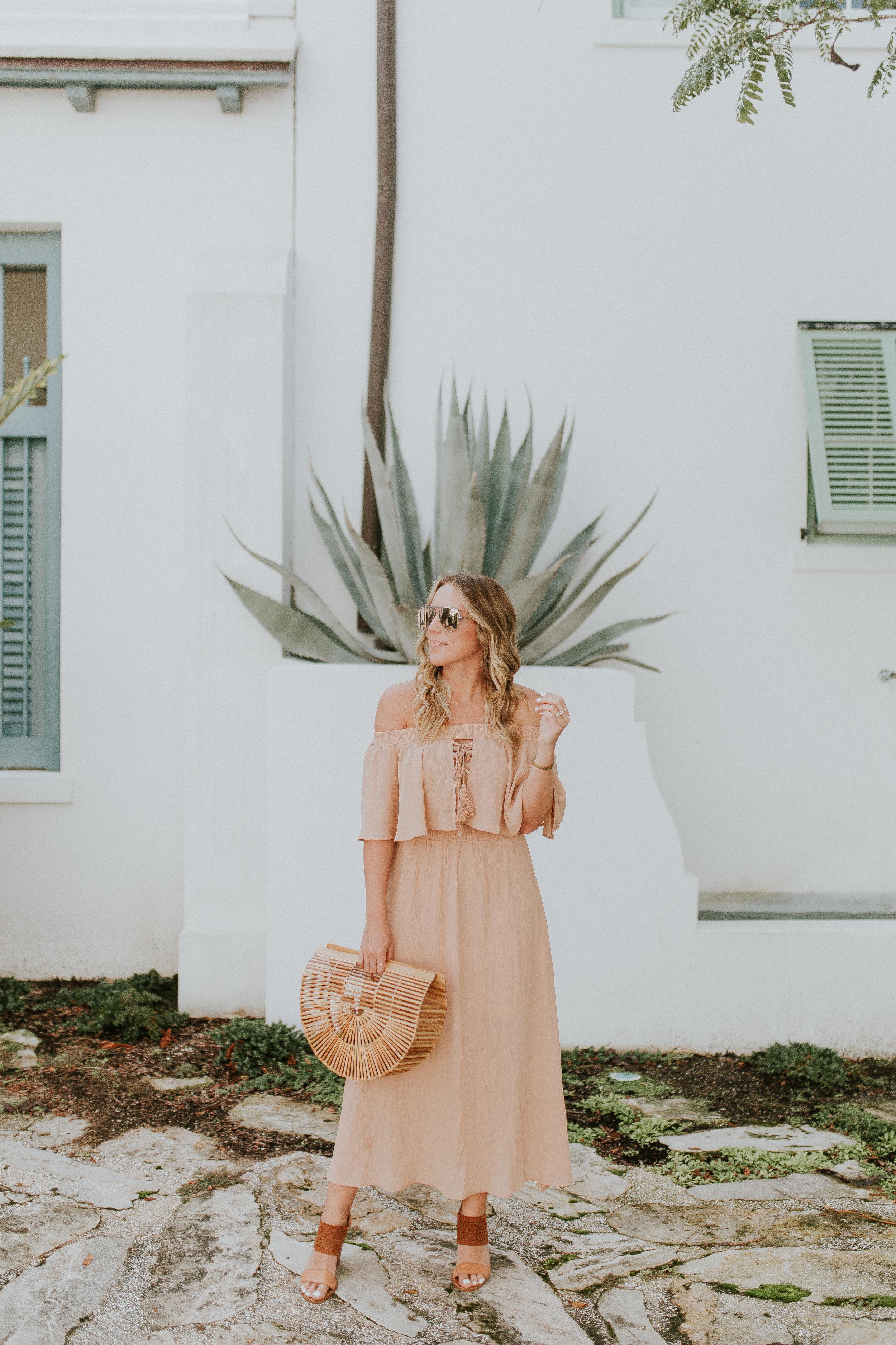 Blogger Gracefully Taylored in Somedays Lovin' Dress(2).jpg