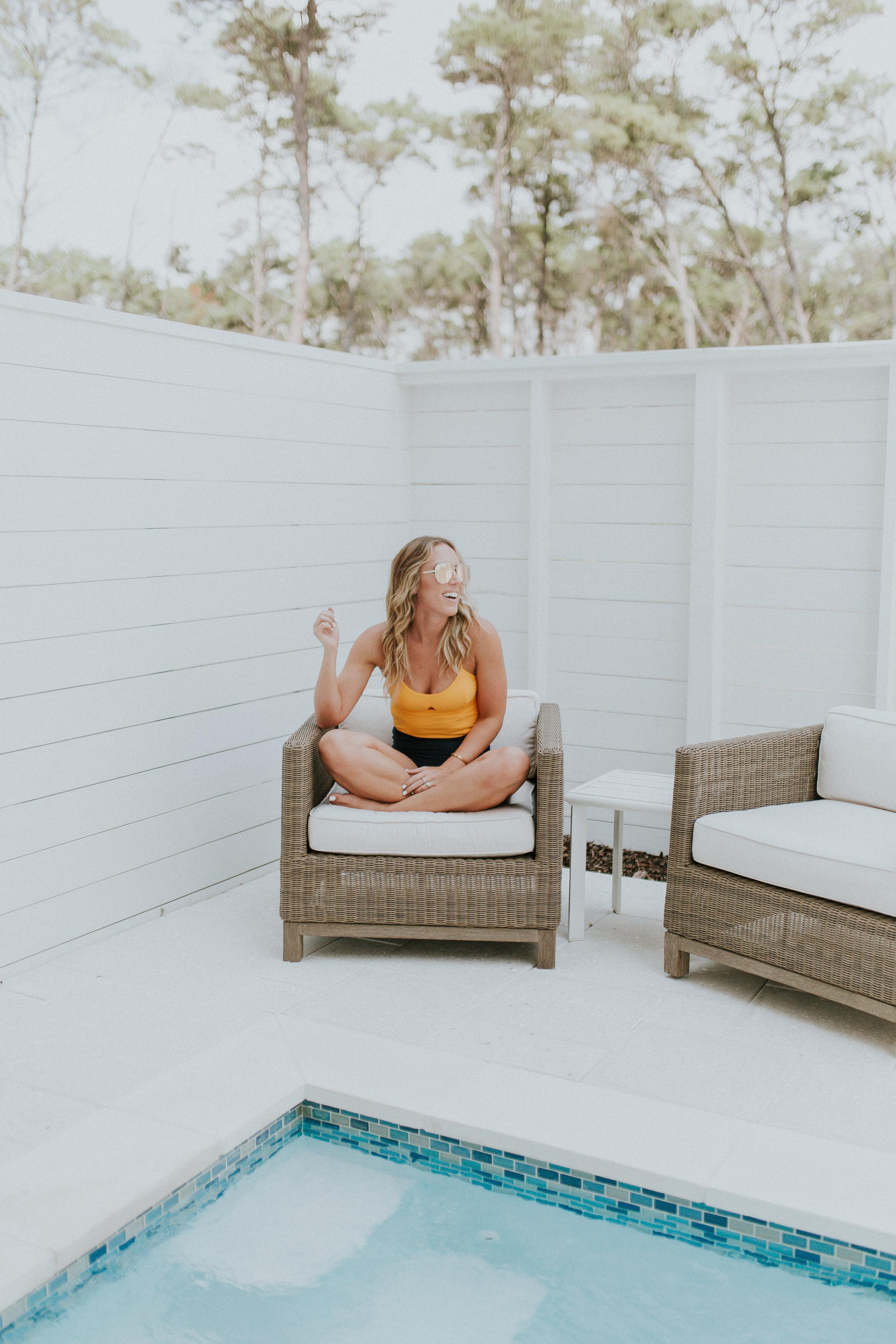 Blogger Gracefully Taylored in Summersalt Swimwear(1).jpg