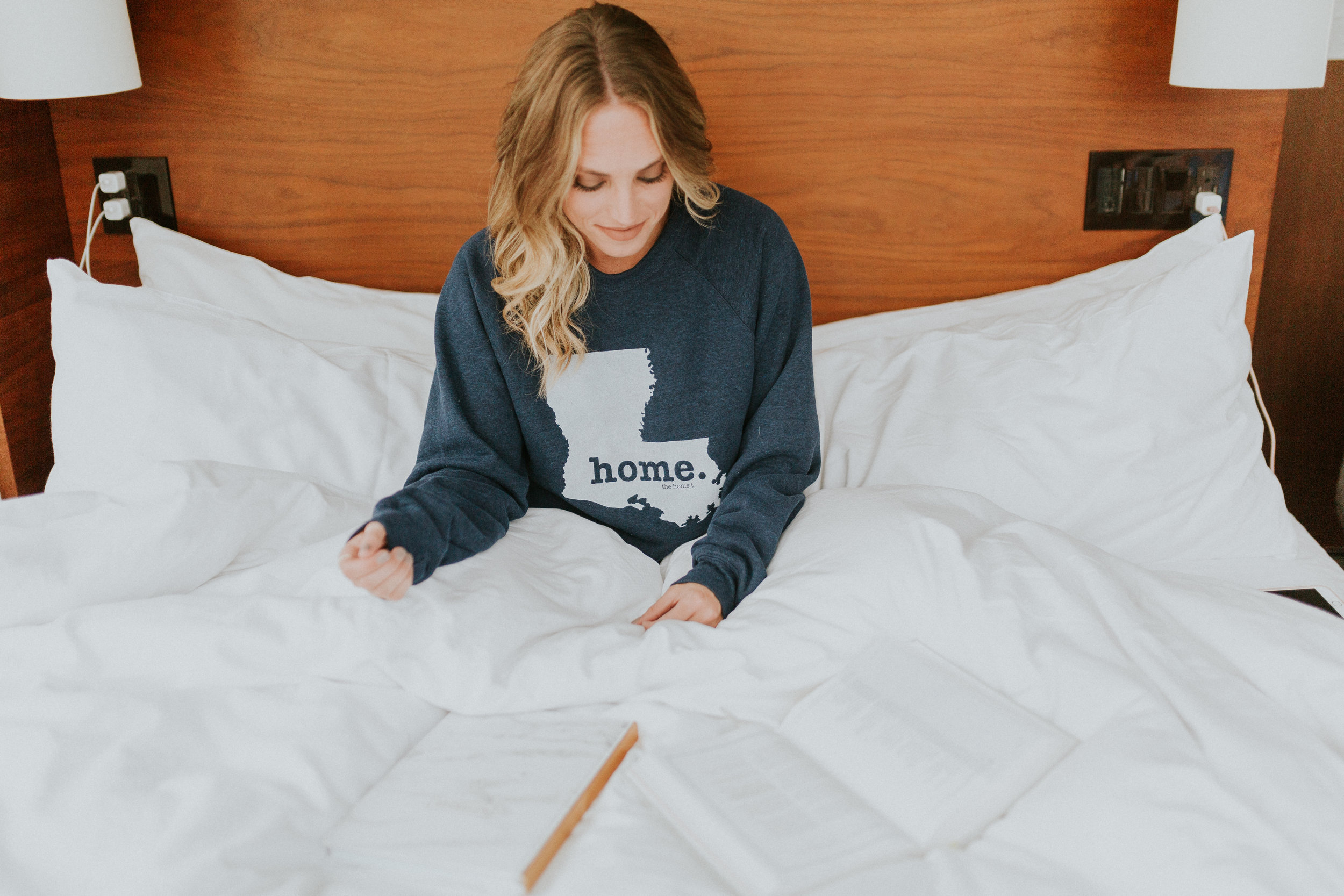 Blogger Gracefully Taylored in The Home T Sweatshirt(4).jpg