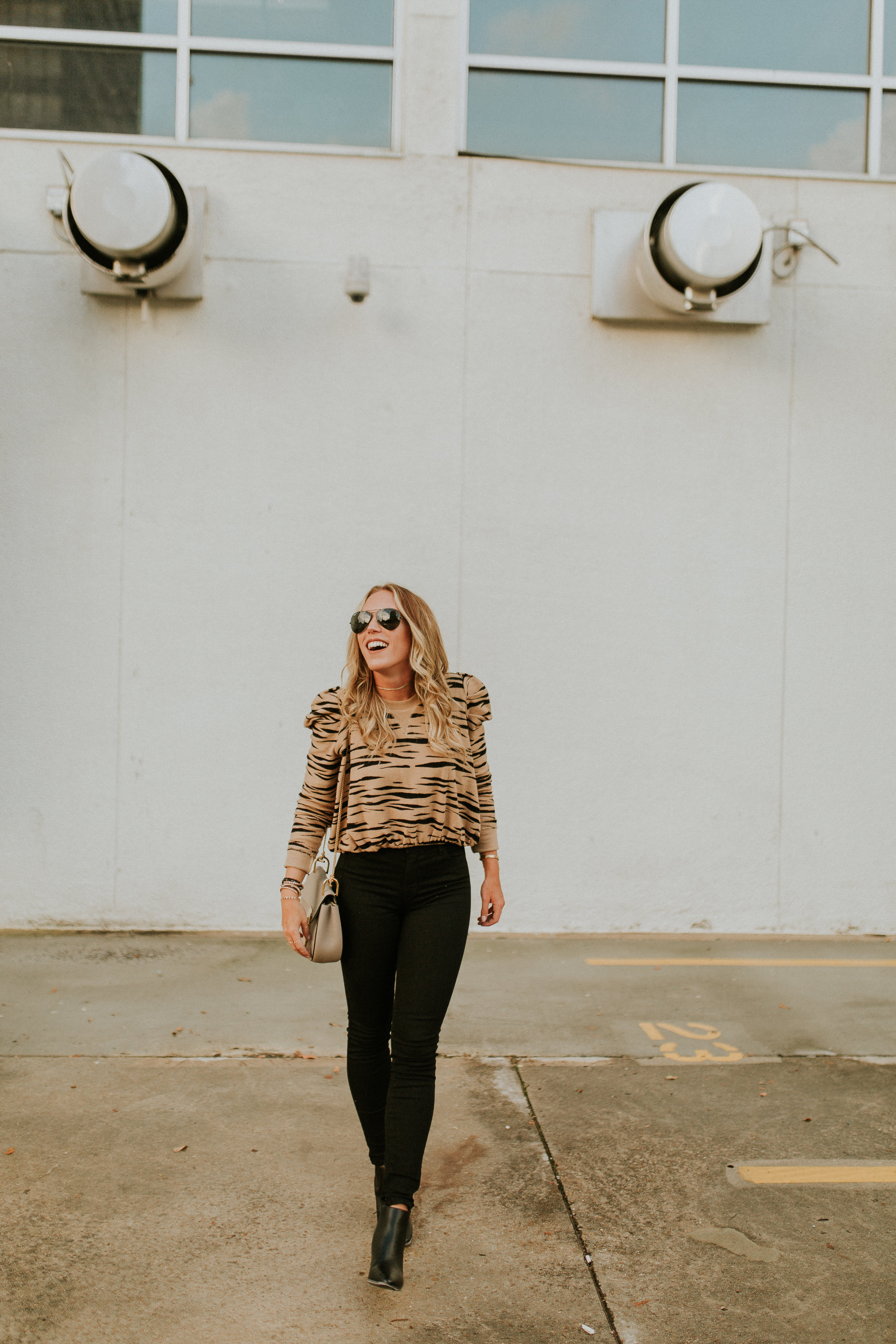 Blogger Gracefully Taylored with Kendra Scott(33).jpg