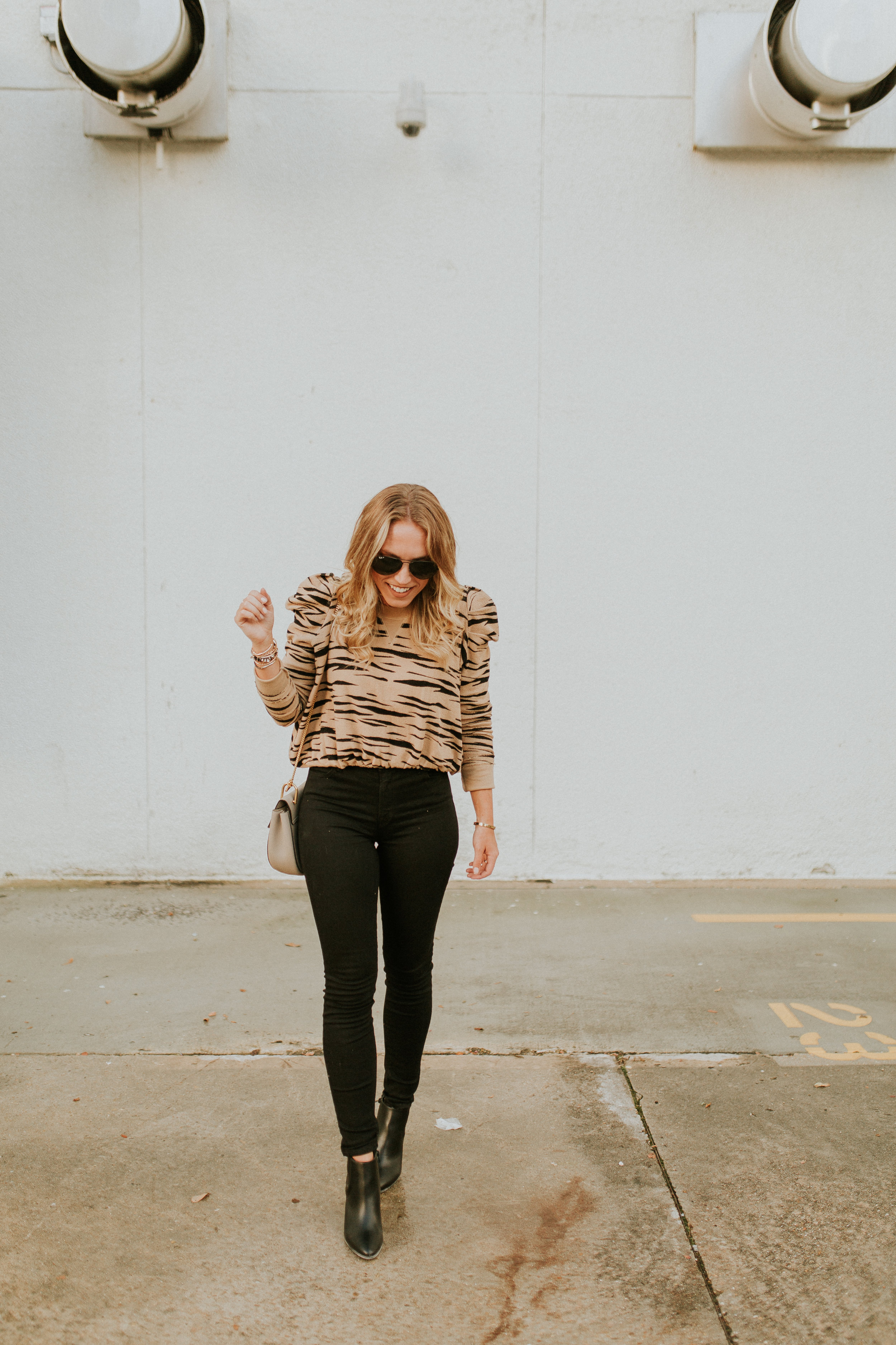 Blogger Gracefully Taylored with Kendra Scott(24).jpg