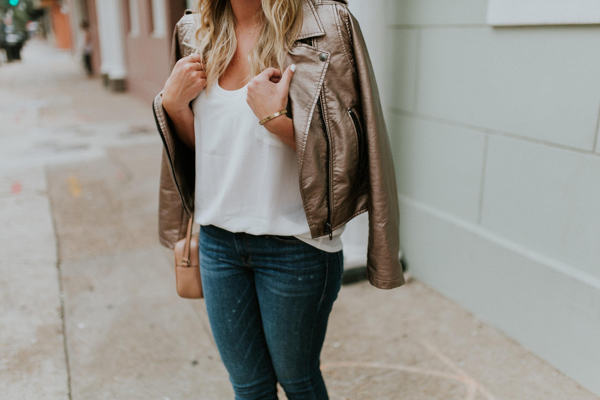 Blogger Gracefully Taylored in Blank NYC Metallic Jacket(13).jpg