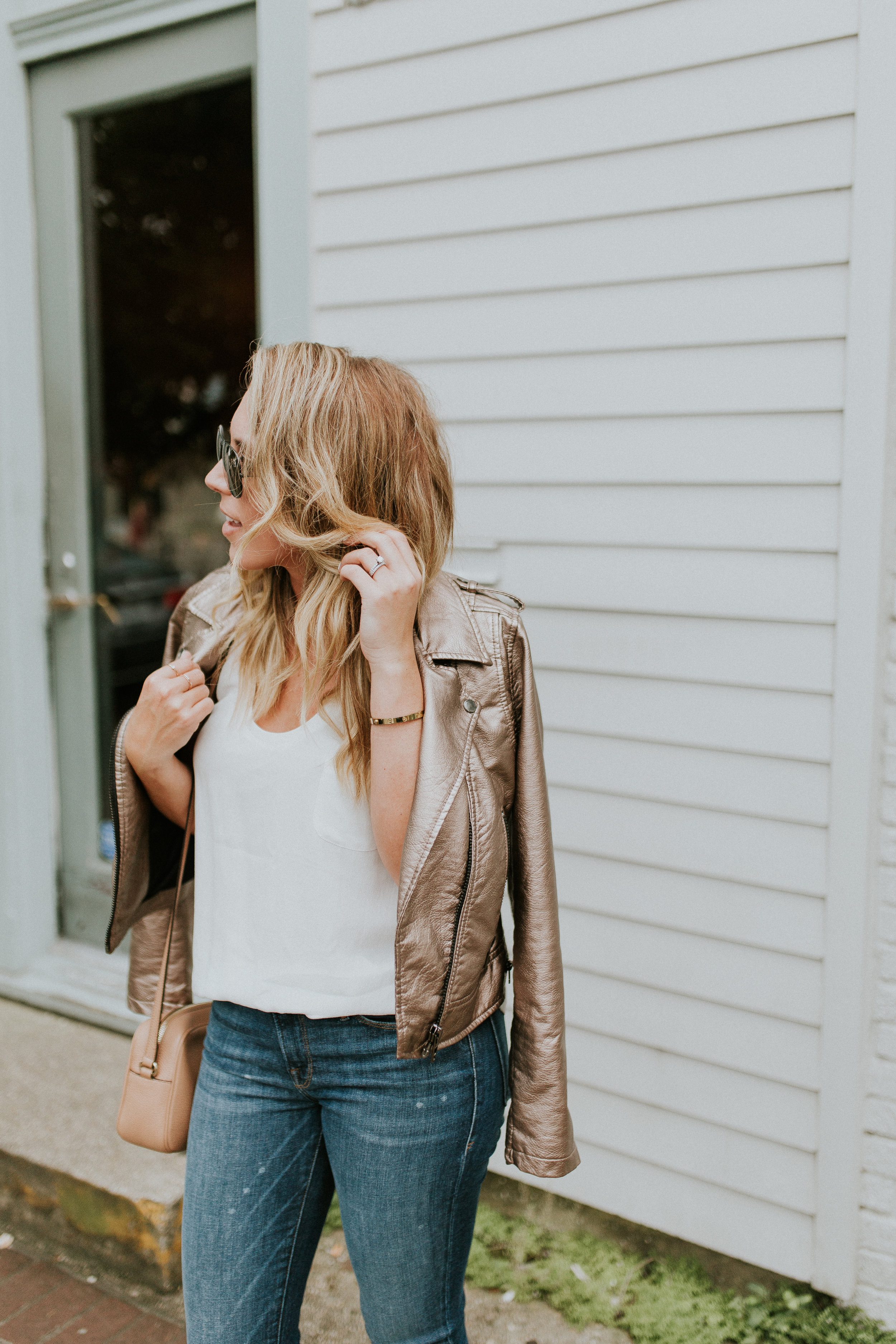 Blogger Gracefully Taylored in Blank NYC Metallic Jacket(7).jpg