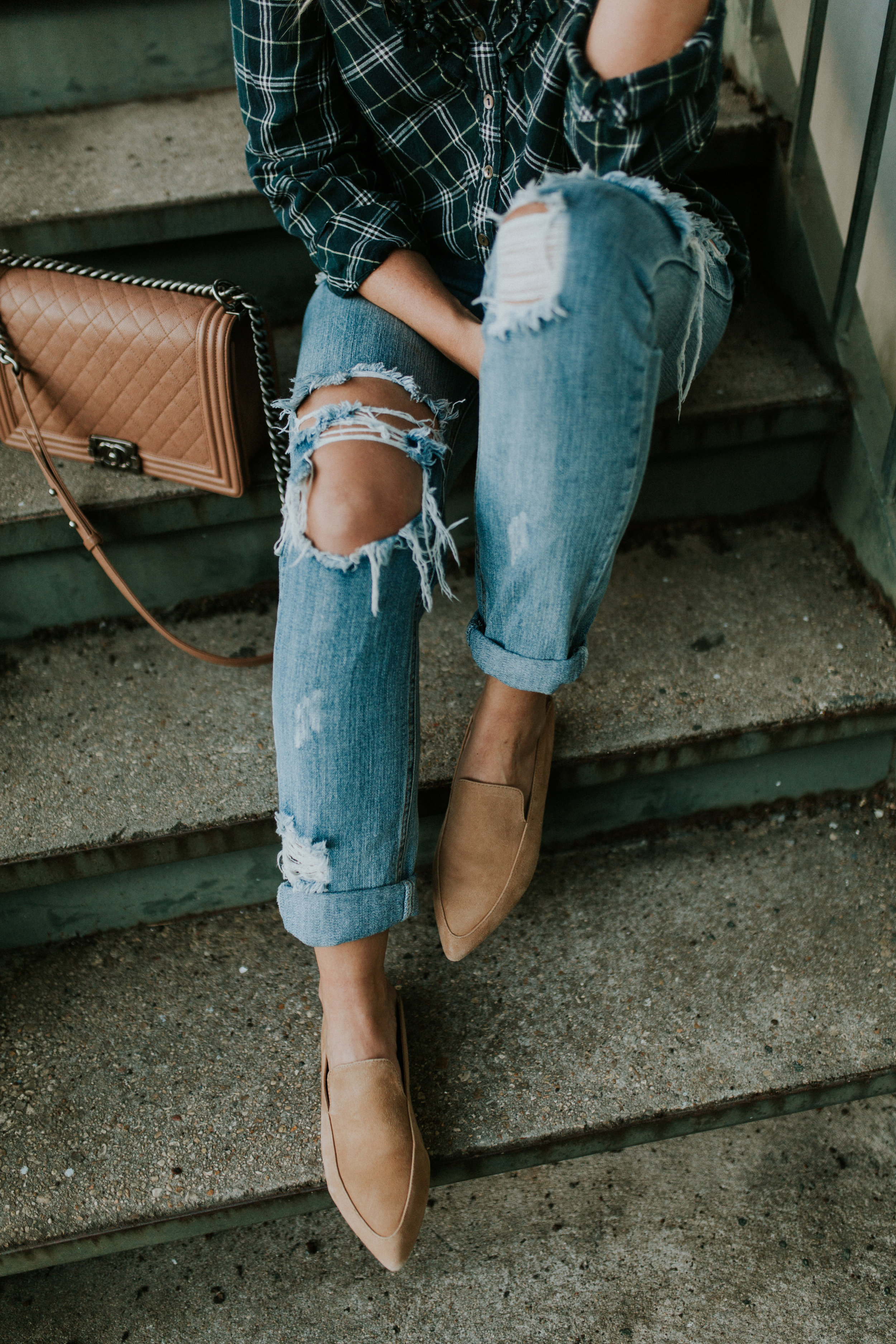 Blogger Gracefully Taylored in One Teaspoon Denim, Anthropologie Sweater and Plaid Top(14).jpg