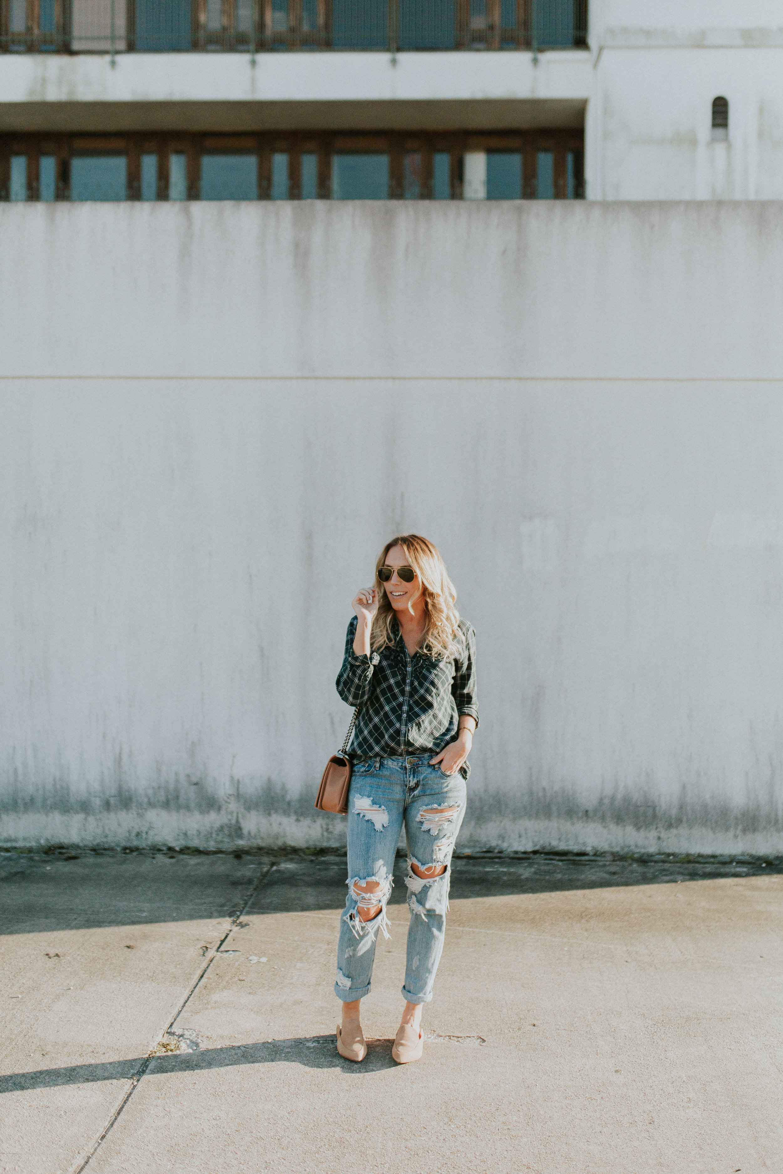 Blogger Gracefully Taylored in One Teaspoon Denim, Anthropologie Sweater and Plaid Top(3).jpg