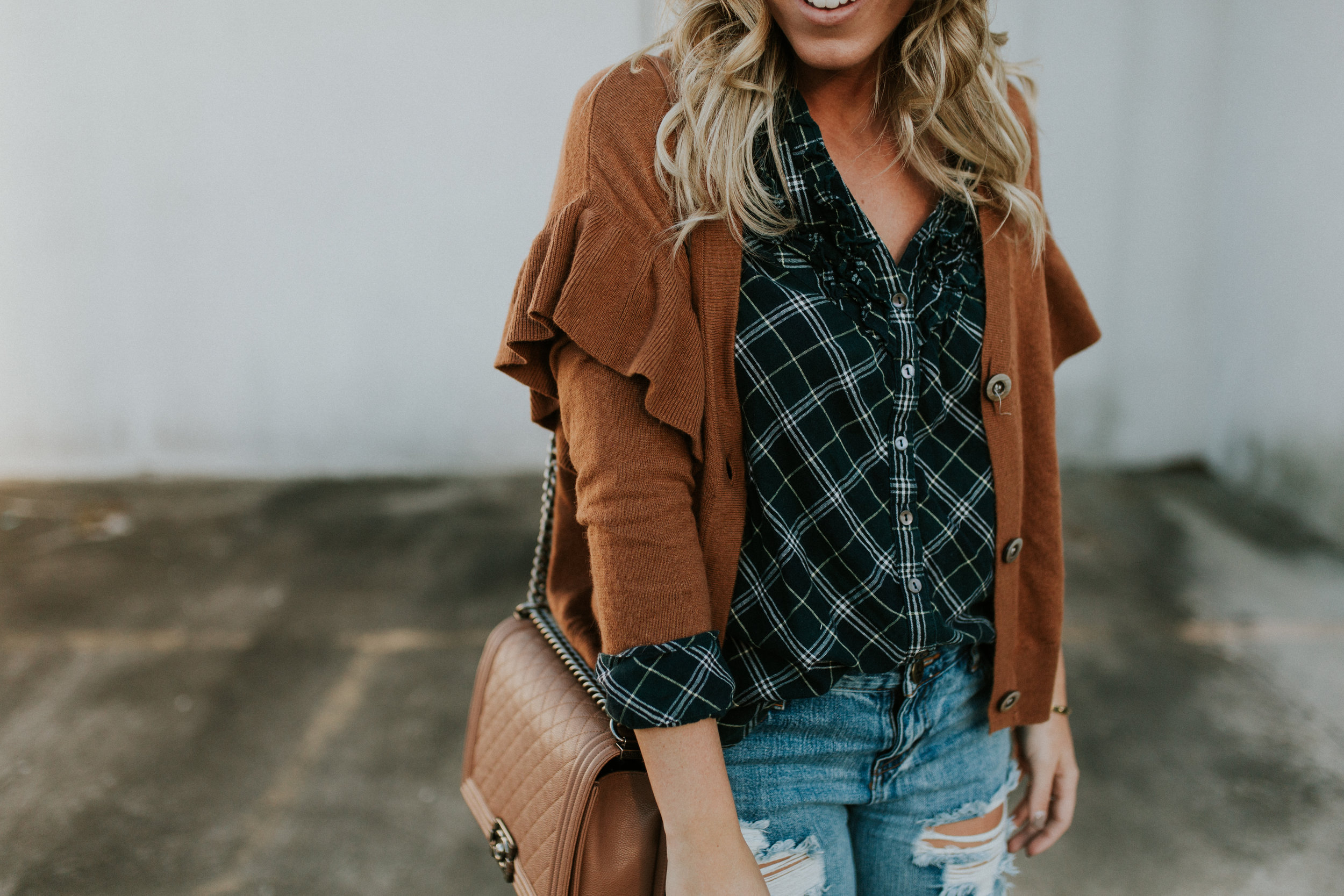 Blogger Gracefully Taylored in One Teaspoon Denim, Anthropologie Sweater and Plaid Top(25).jpg