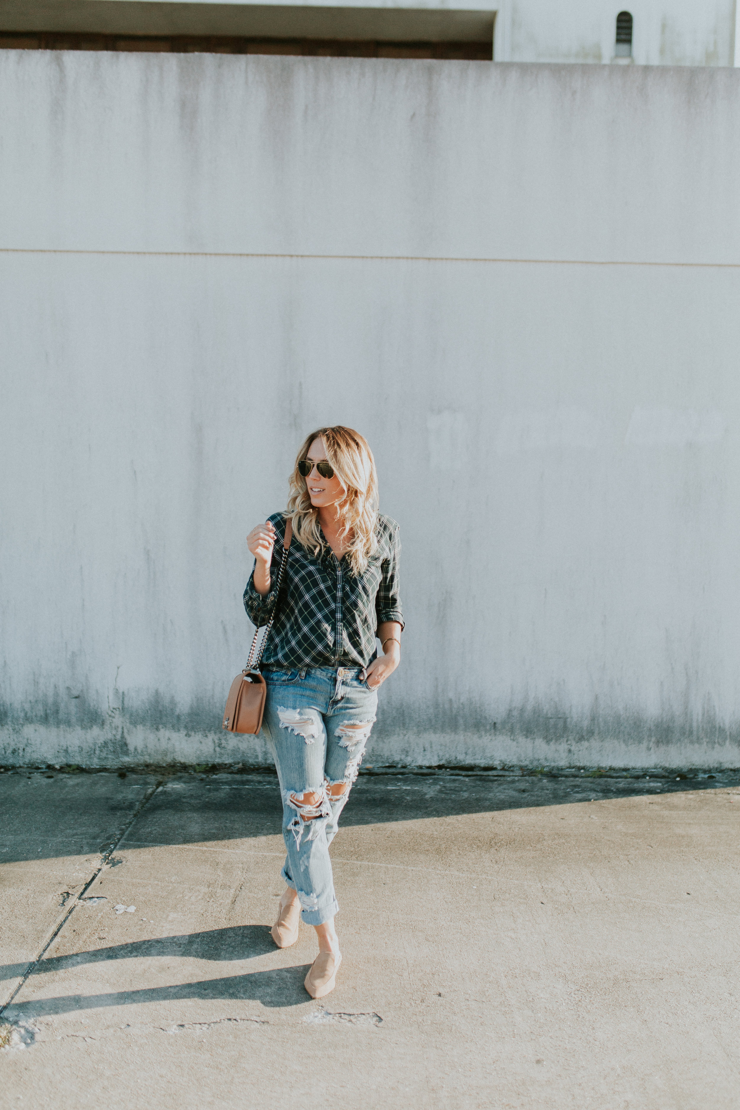 Blogger Gracefully Taylored in One Teaspoon Denim, Anthropologie Sweater and Plaid Top(1).jpg