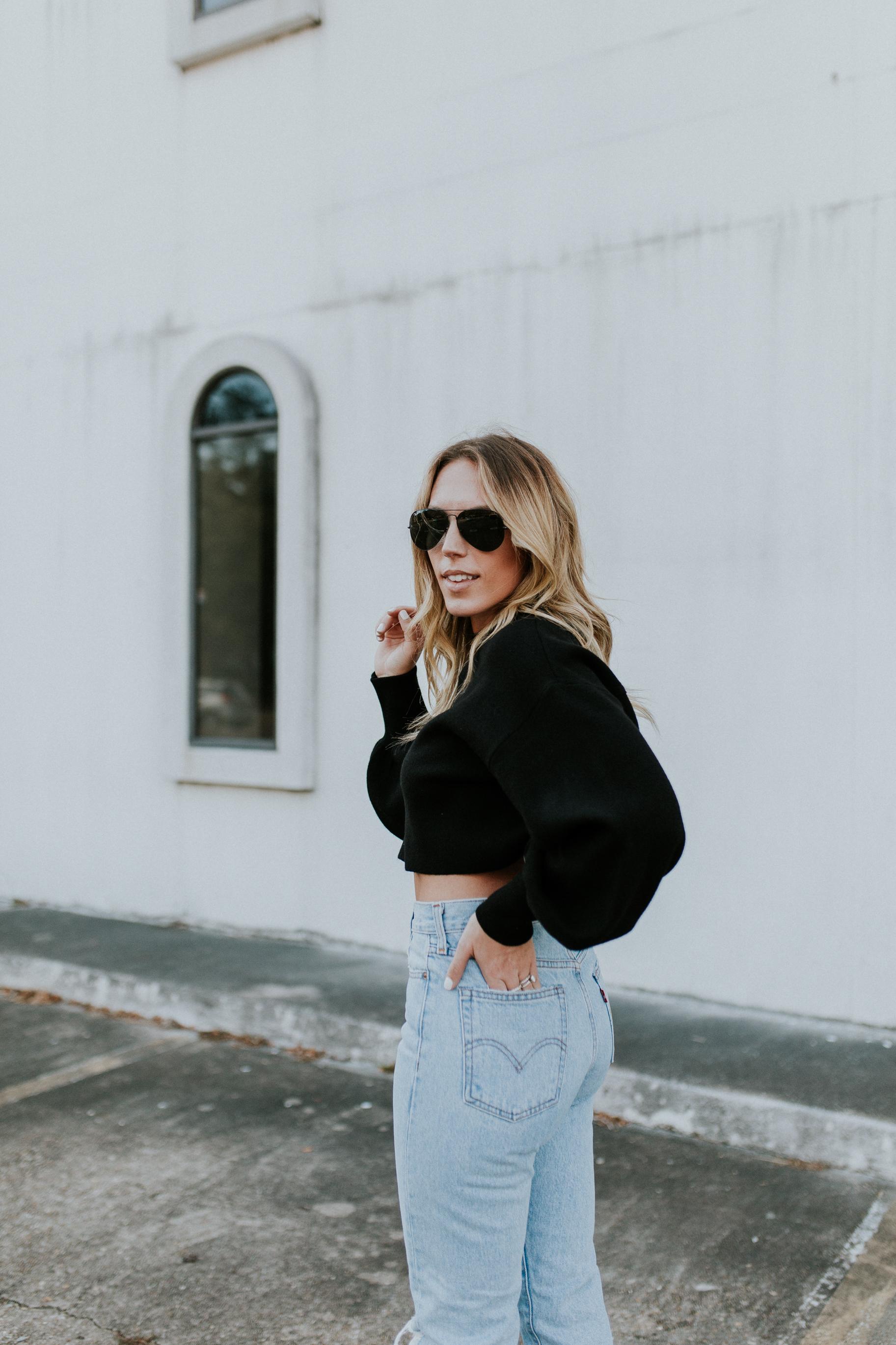 Blogger Gracefully Taylored in Levis and Dee Keller Heels(10).jpg