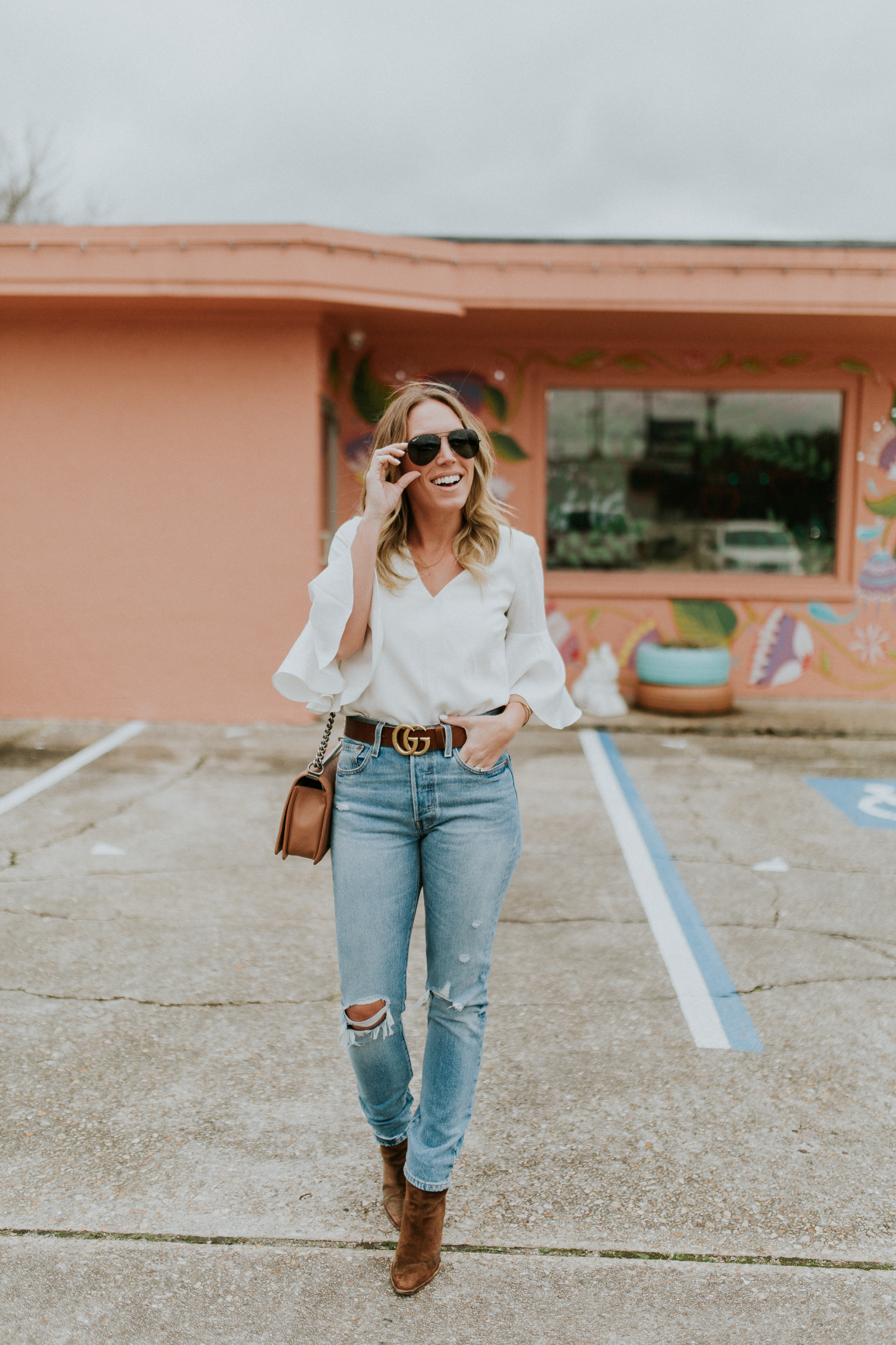 Blogger Gracefully Taylored in Levis(1).jpg