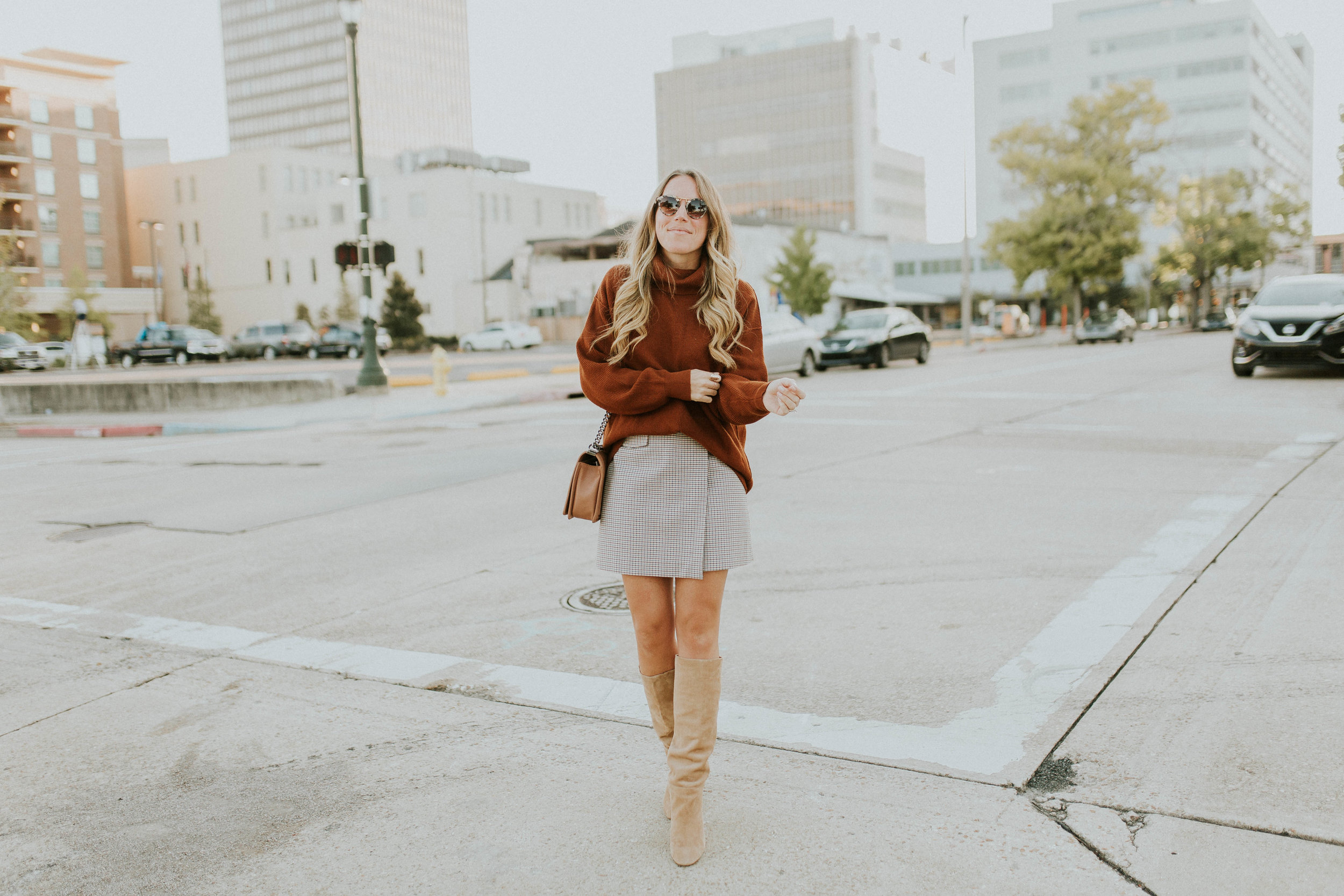 Blogger Gracefully Taylored in Free People Sweater and Theory Skirt(13).jpg
