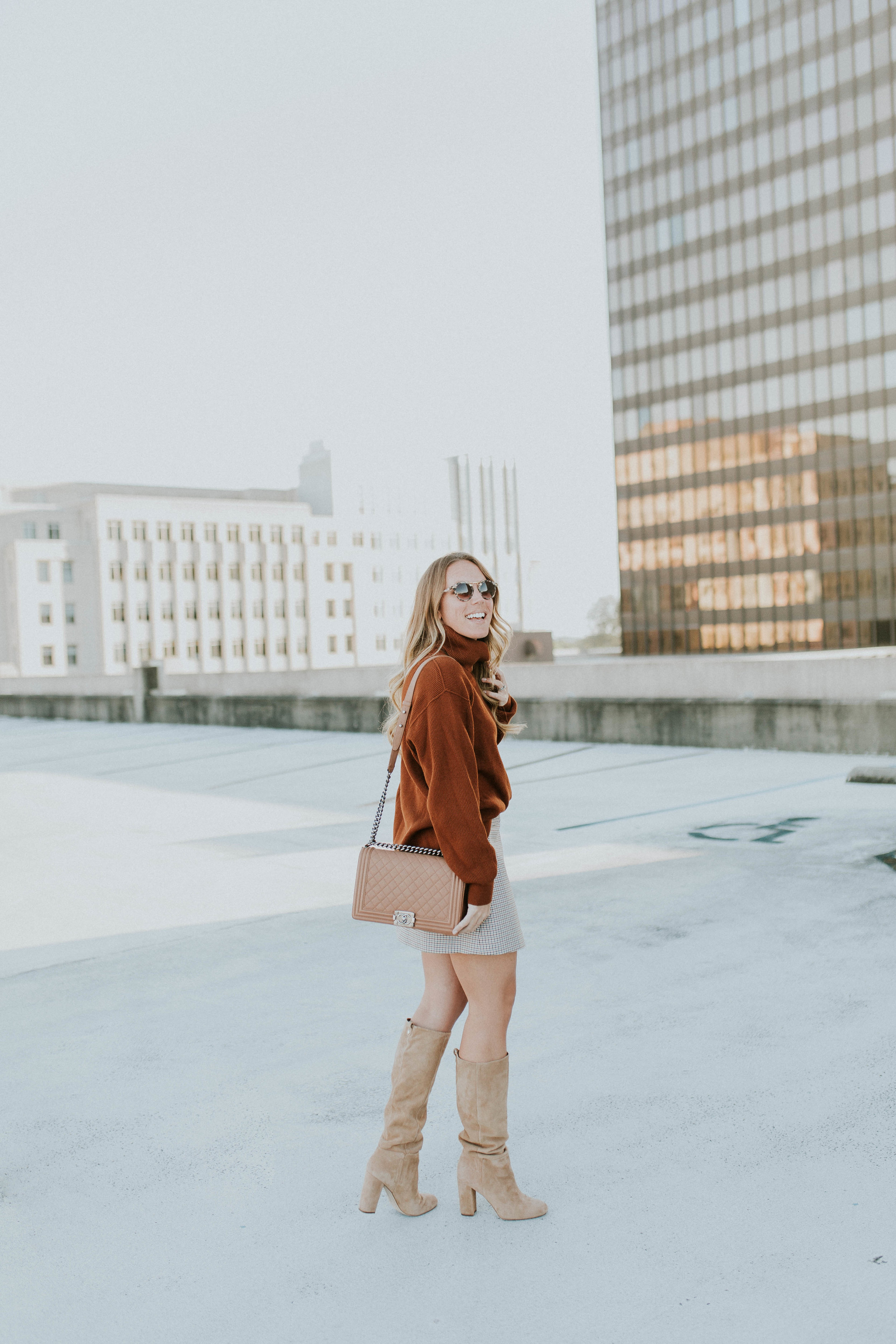 Blogger Gracefully Taylored in Free People Sweater and Theory Skirt(5).jpg
