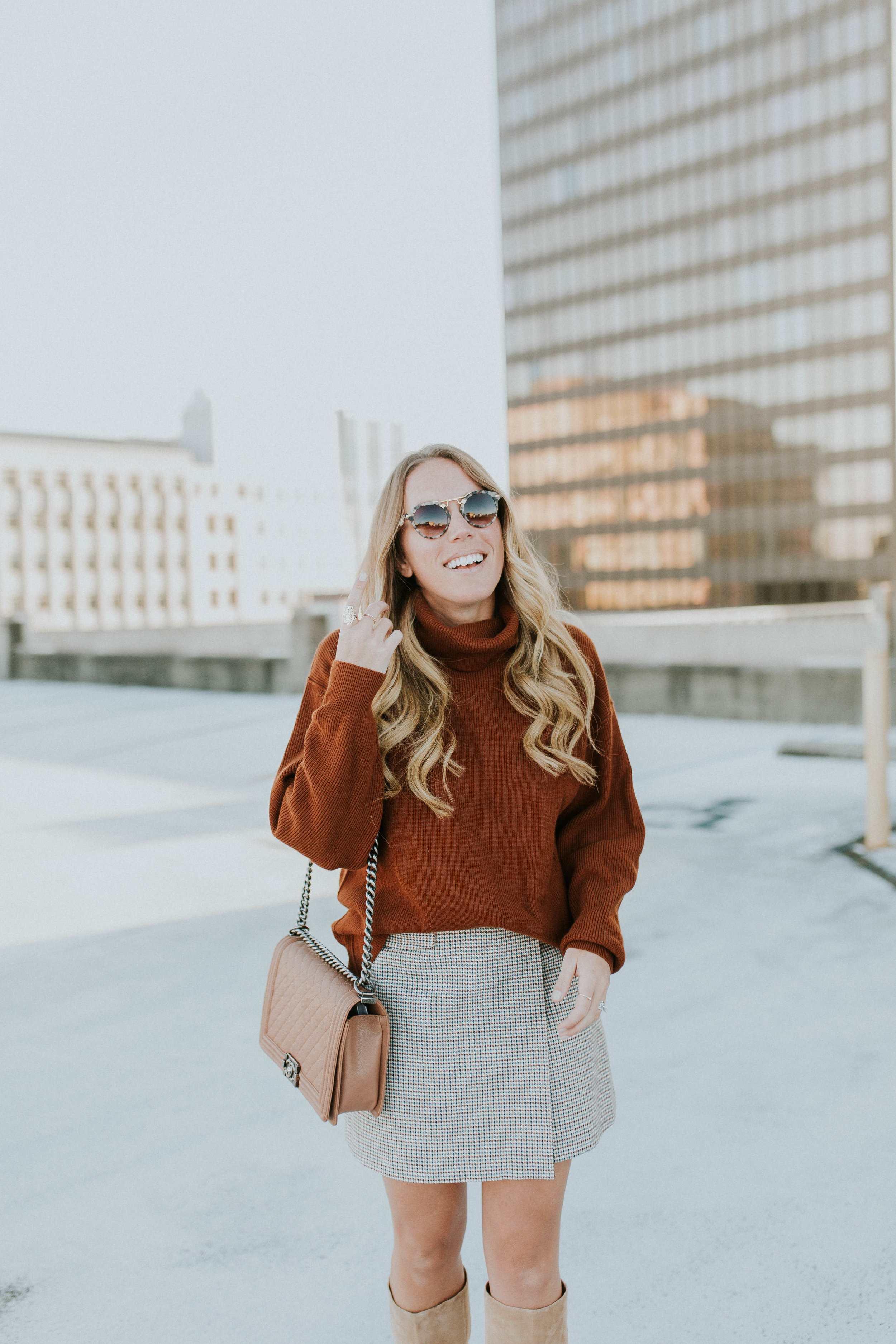 Blogger Gracefully Taylored in Free People Sweater and Theory Skirt(4).jpg