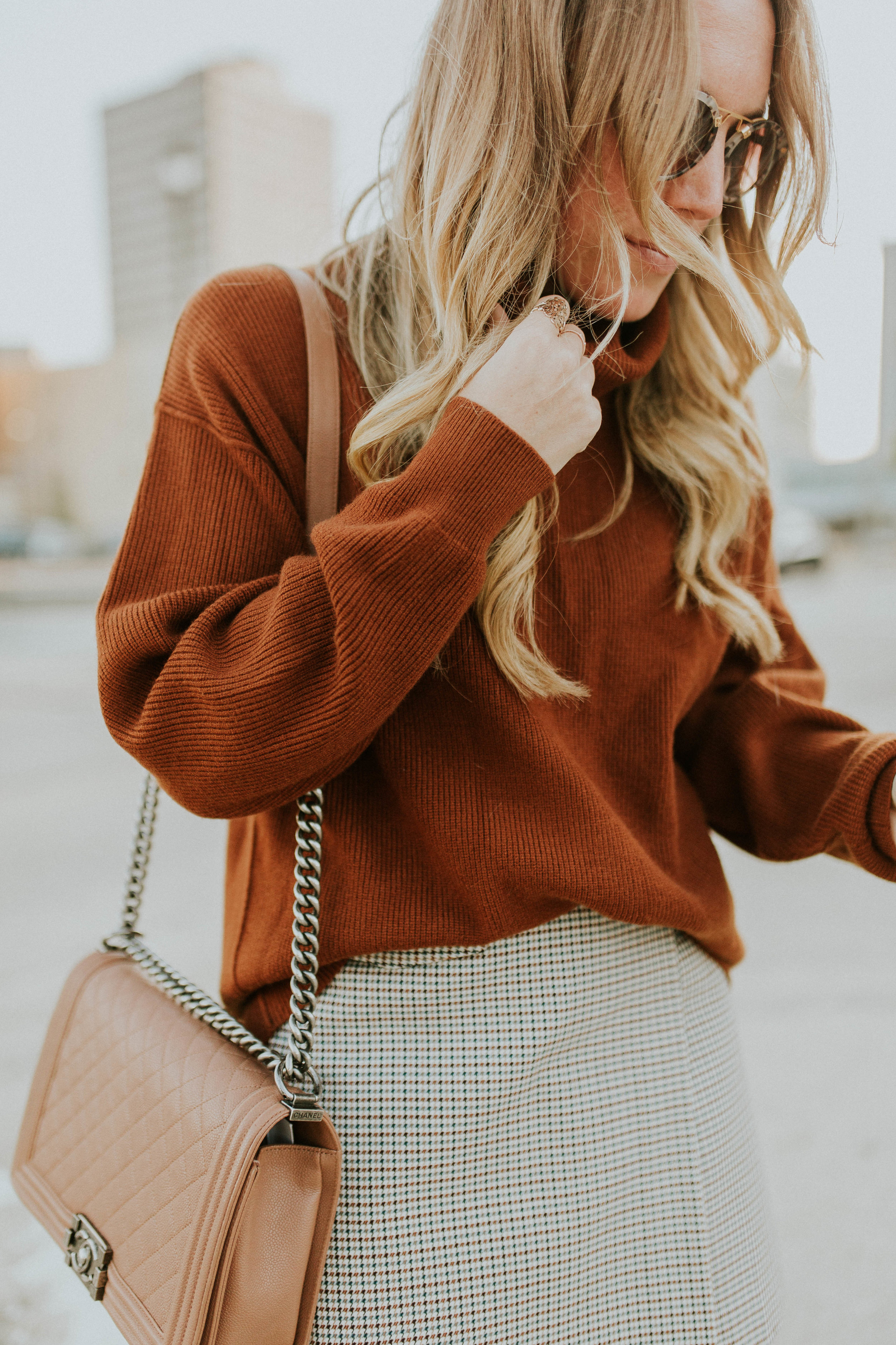 Blogger Gracefully Taylored in Free People Sweater and Theory Skirt(19).jpg