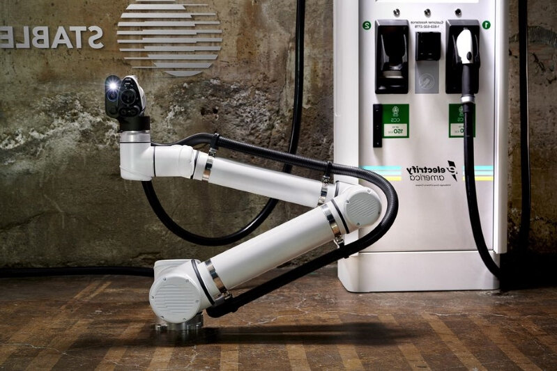 electrify-america-and-stable-auto-are-testing-robotic-ev-chargers-for-self-driving-cars__967567_.jpg