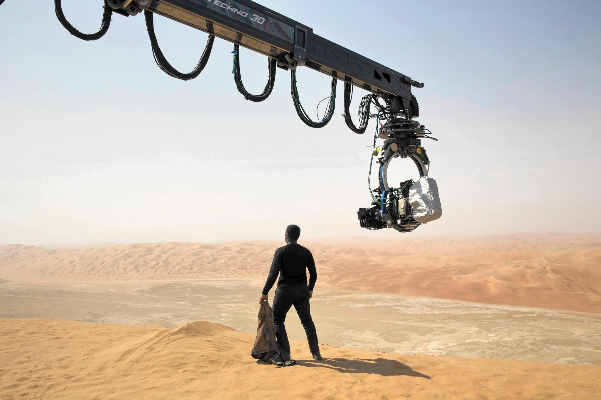la-ca-hc-star-wars-filming-abu-dhabi-20151206.jpg