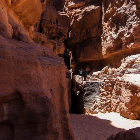 the-entrance-of-khazali.jpg