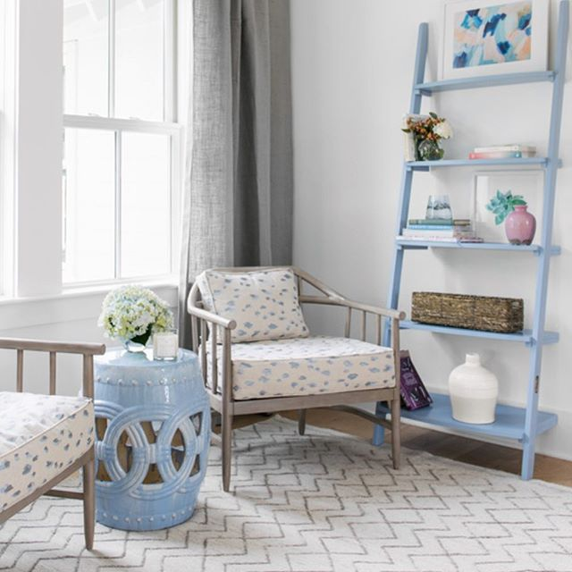 Pop of Periwinkle🎐 // Regram from @interiorsbyherlong  #pittstreetbridge project