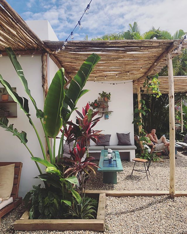 Cool little cafe with a great mission of helping Underprivileged youth of the DR, Venezuela and Sudan #Vagamundo 🤙🏻🥑🌺
