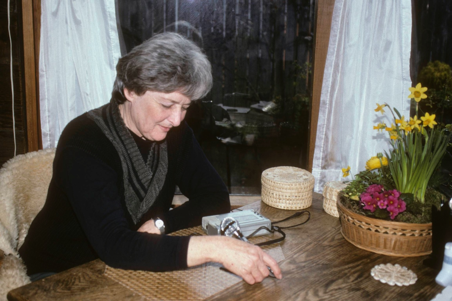Joan Rutherford being interviewed by the author in her house in Washington. (Photo credit: DK Howe)