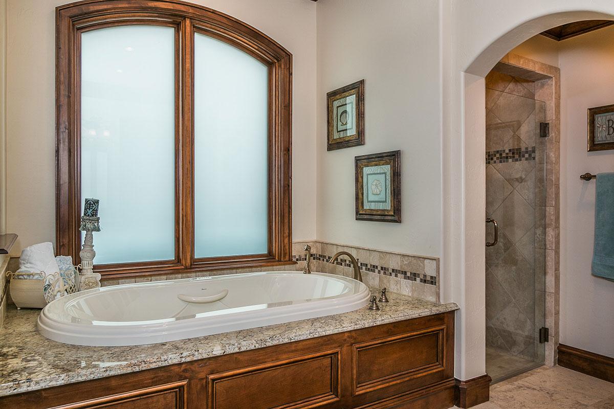 Bathroom-2-Bath-and-Shower.jpg