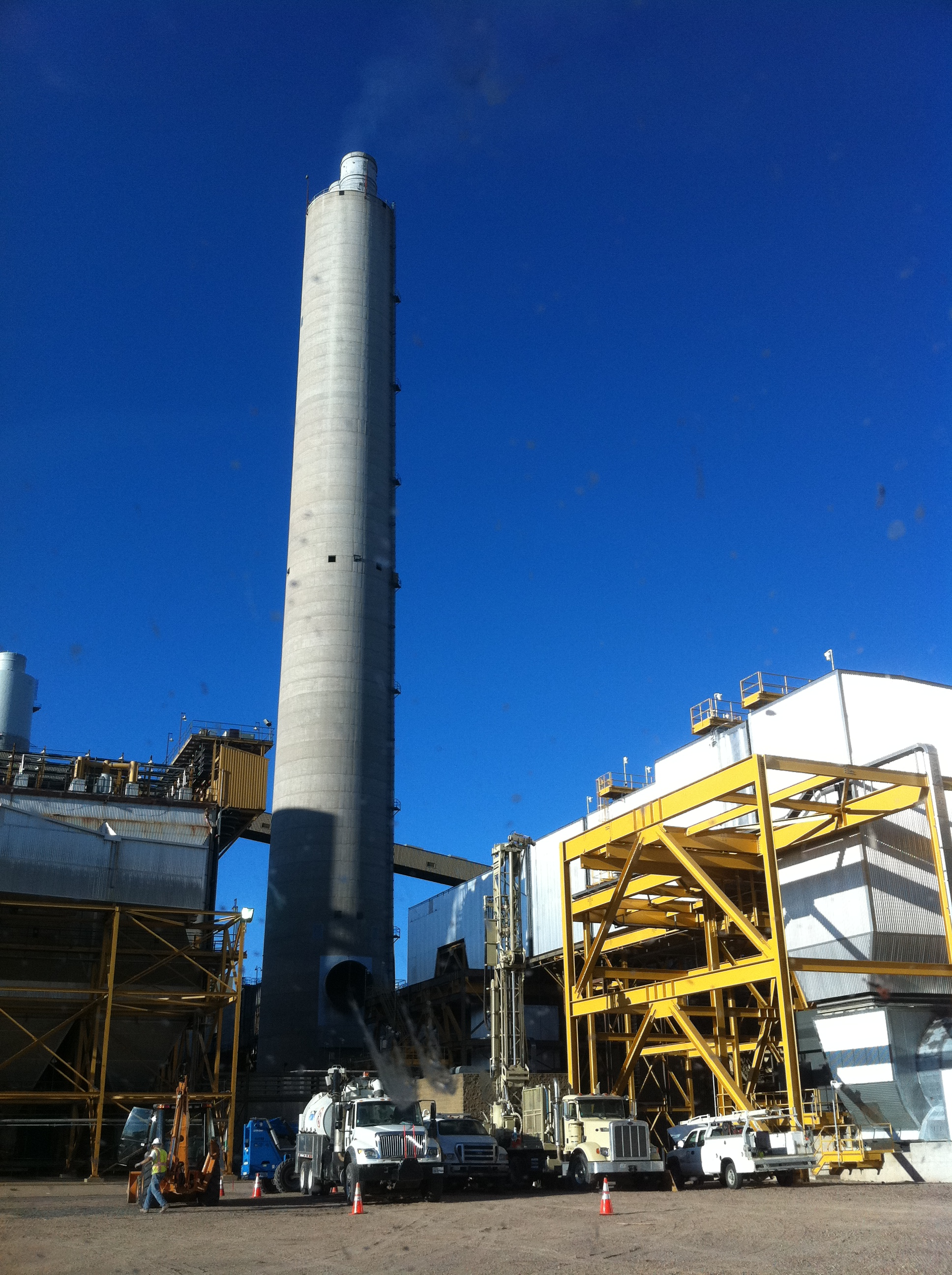 SRP - Rig & Smokestack (Cathodic Protection).JPG
