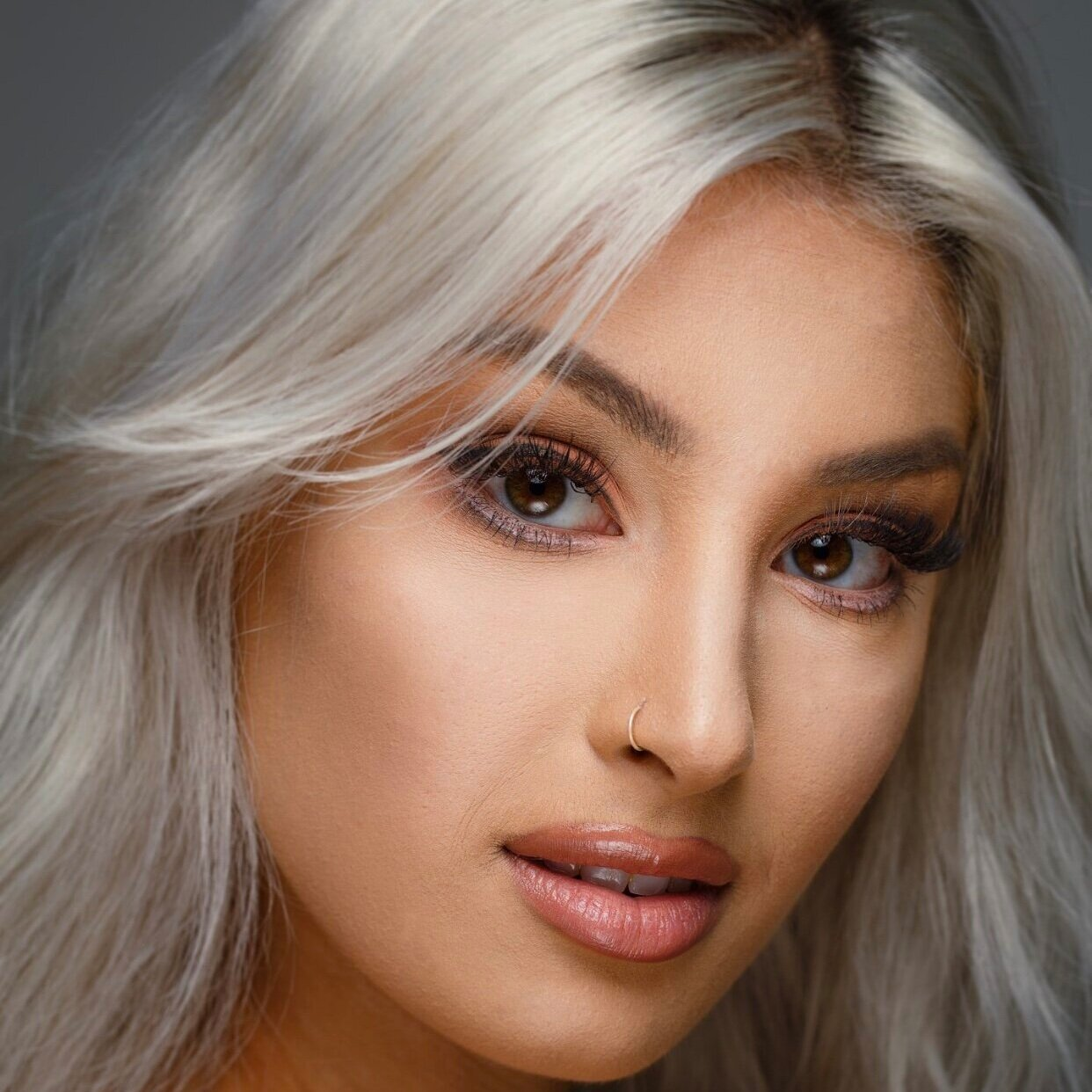 - Click To VIEW INSTAGRAMHOMETOWN: San Diego, CAEDUCATION / EXPERIENCE:SPECIALIZES IN:FAVORITE BEAUTY TIP:AVAILABILITY: 7 Days a Week | 8:00 am - 8:00 pmTO SCHEDULE OR CONSULT CALL OR TEXT: (920) 256-0480