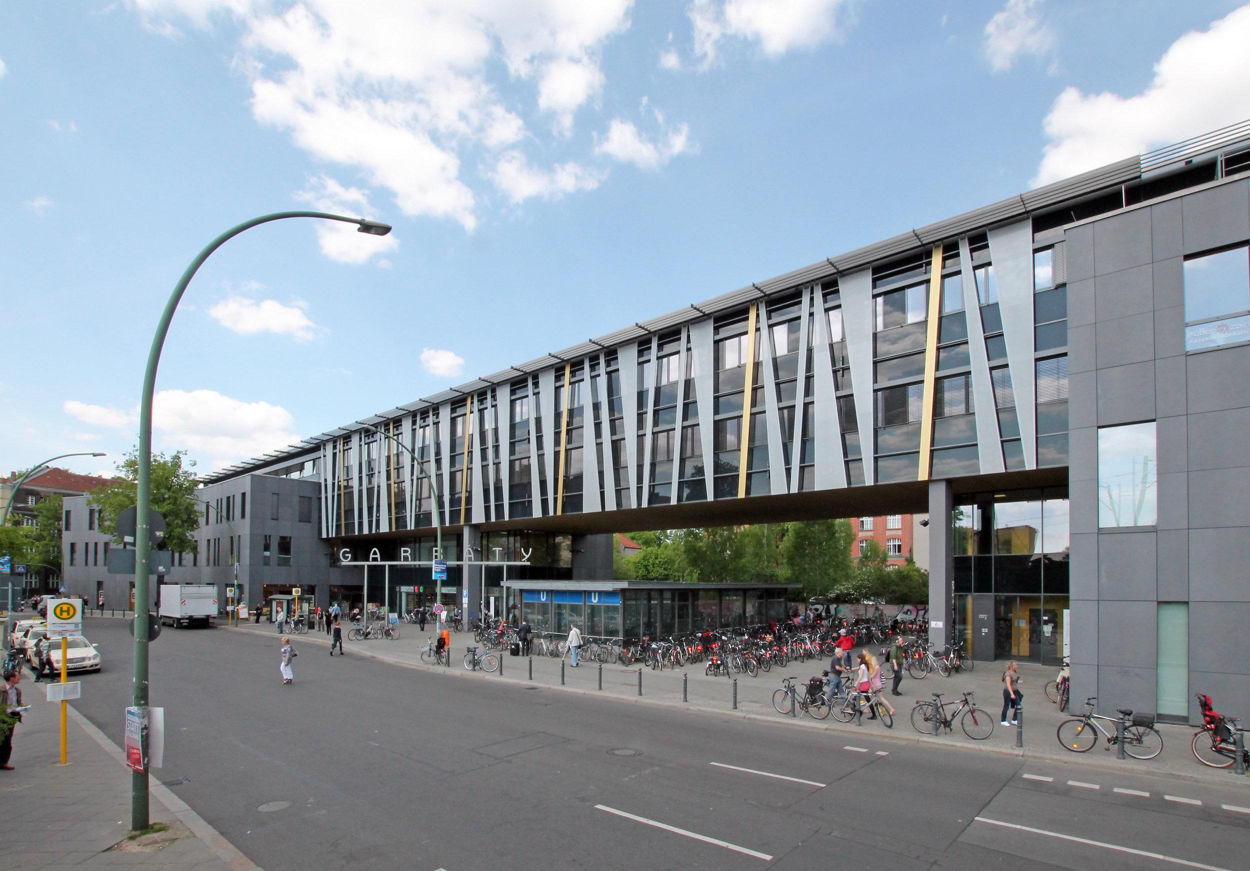 Garbatyplatz 1, Berlin
