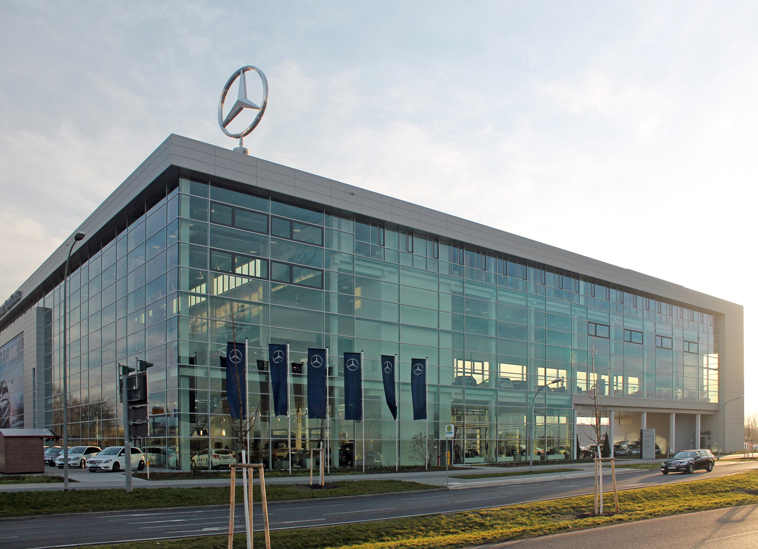 Mercedes Niederlassung, Berlin /PSP Architekten, Berlin