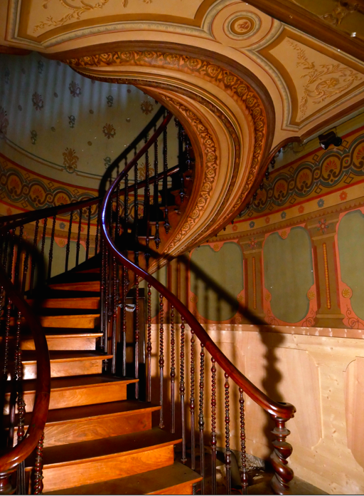 French spiral staircase.png