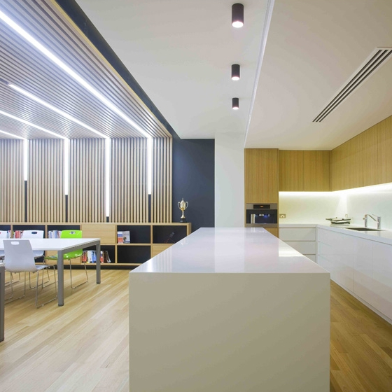 FRESHVIEW     OFFICE FITOUT  Extensive use of timber was used to add warmth and texture to this office fitout in Sutherland.  Large breakout areas for communal dining and table tennis tournaments offered scope for dynamic lighting solutions and material choices.  www.freshview.com   BUILD: 200sqm / COMPLETED: Jun 10 / BUILDER: Adam Brennan / PHOTO: Simon Whitbread