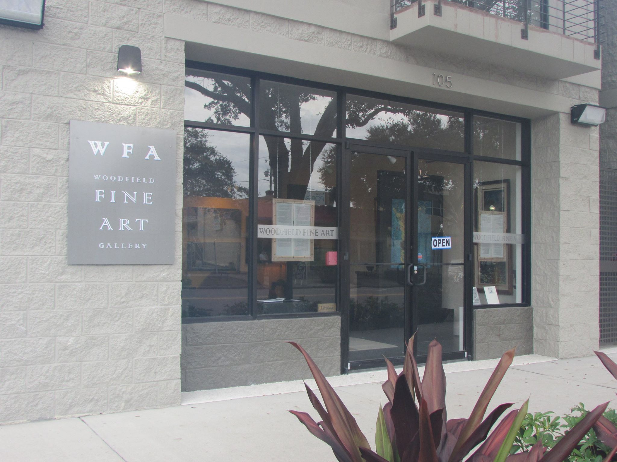 Woodfield Fine Art Gallery - Woodfield Fine Art Gallery has held true to its original intent to showcase only the original art of Tampa Bay area artists, where art enthusiasts can view and buy art that is not mass produced or tagged as collectible just because it has a number. The Gallery carries the works of both emerging as well as nationally renowned award winning artists. Most art media are represented. Paintings in oil, acrylic, watercolor, and mixed media combine with photography, sculpture, ceramics, and glass works to provide a complete gallery experience.