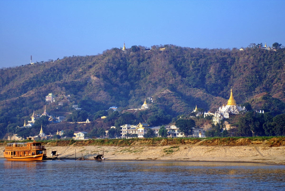 Archeological-zone-in-Bagan-Myanmar.jpg