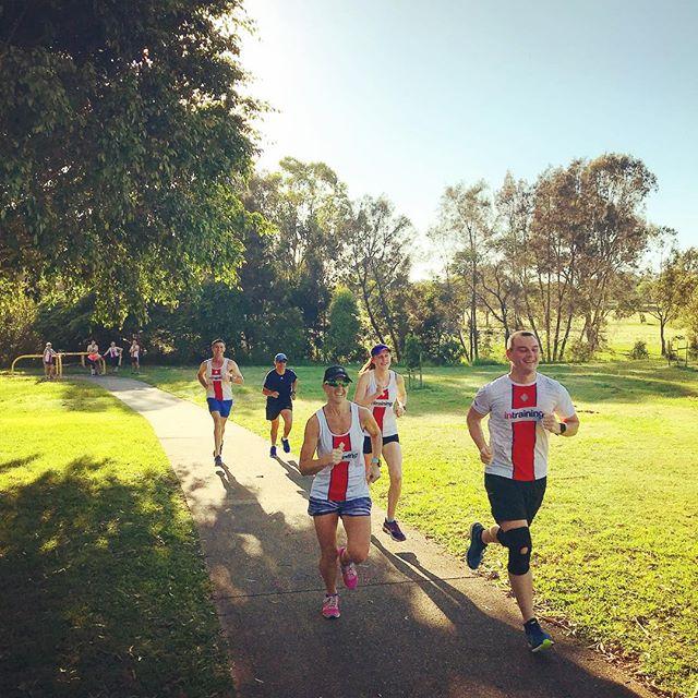 Start the morning on a high! A high hill that is 😜🏃🏻♂️🏃♀️👍 #intrainingchermsiderunners #runners #coaching #runningcoach #love2run #runhappy #hillsession #gointraining #morningrun #running #runningcommunity