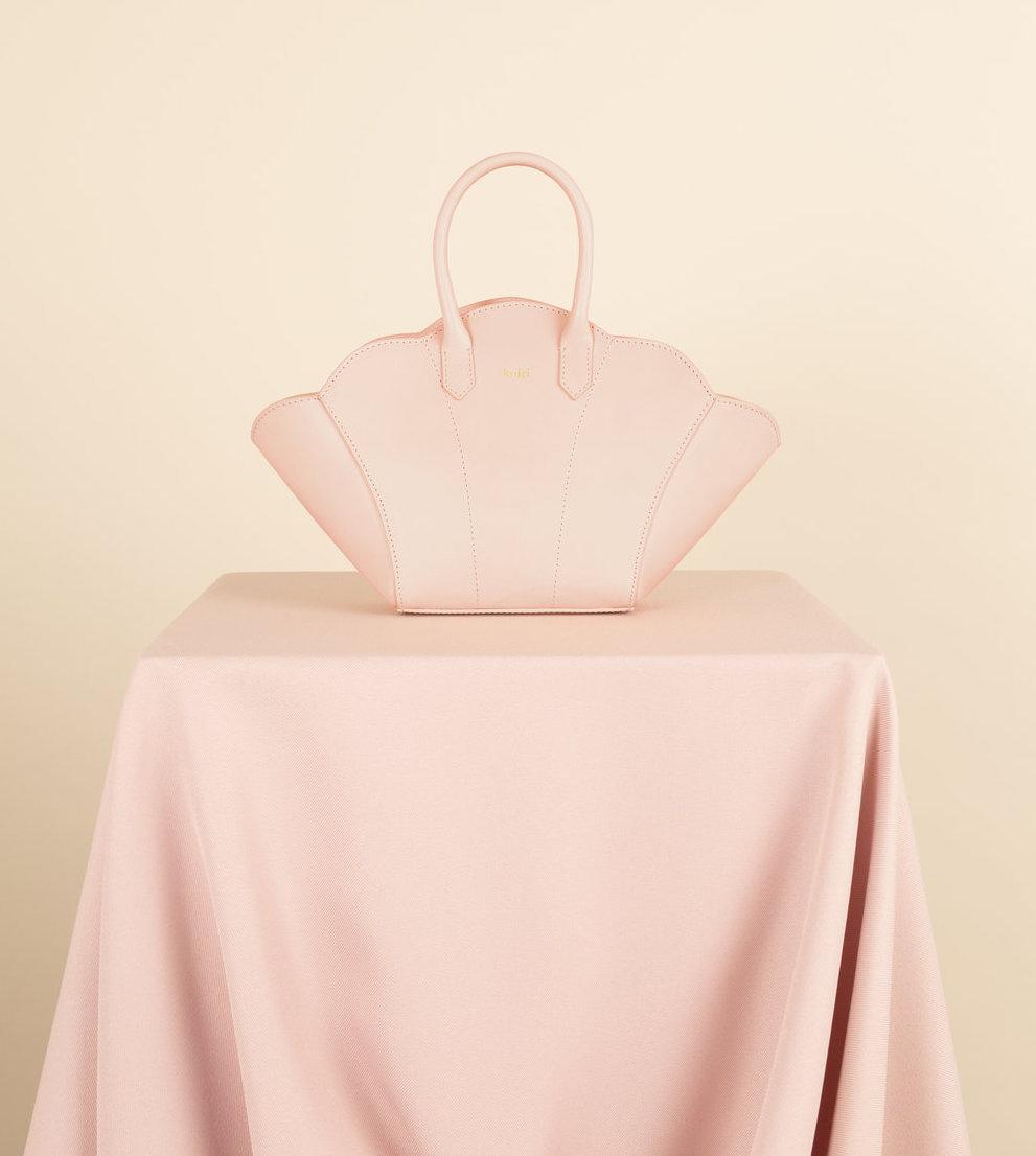 Kairi+London+Shell+Bag+(Blush)+Front.jpg