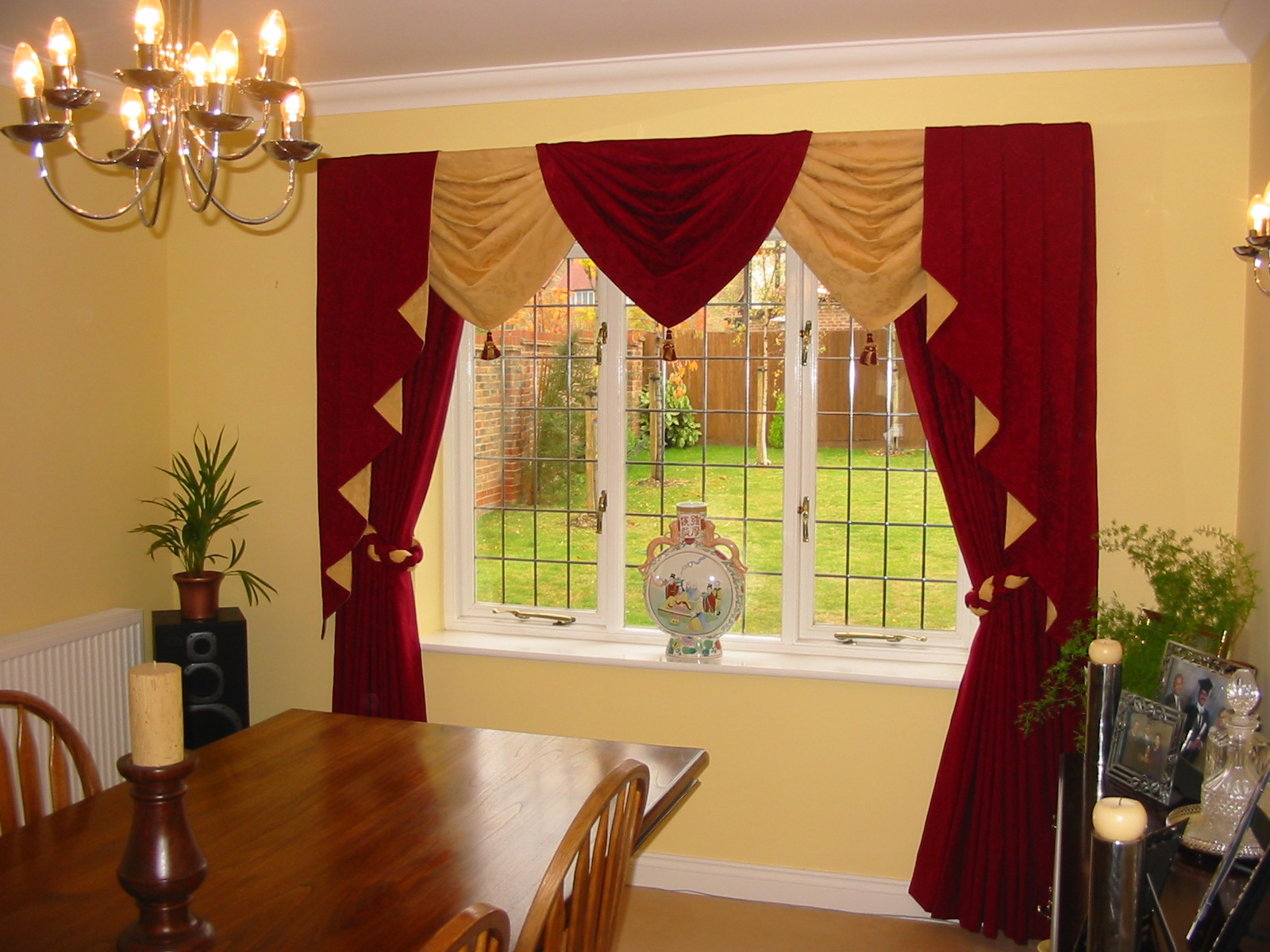 beautiful cream and red curtain design for a dining room