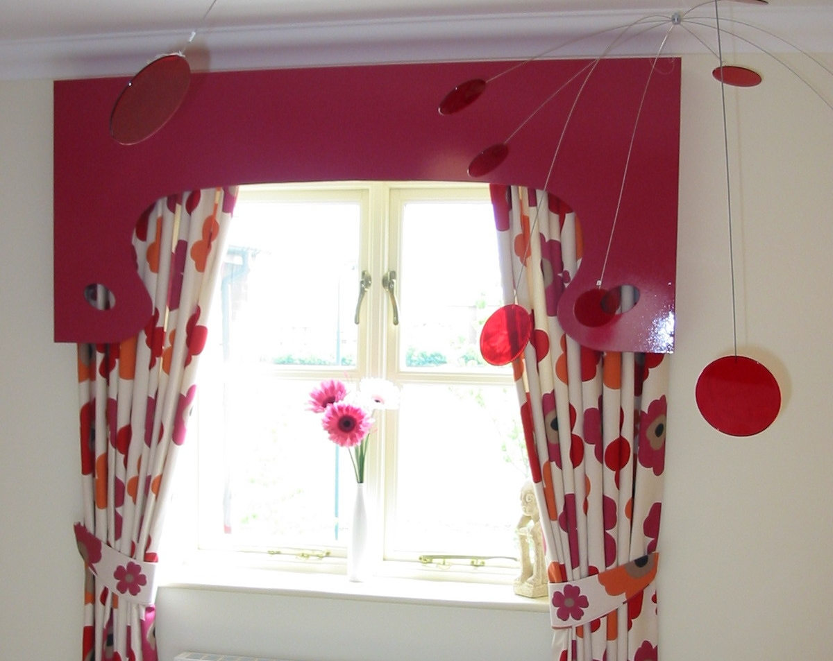 pink floral curtains with pelmet