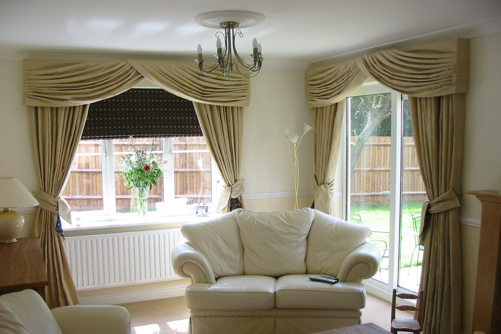 curtains and pelmet designs for a living room
