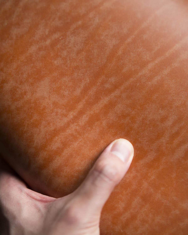battriano-leather-closeup.jpg