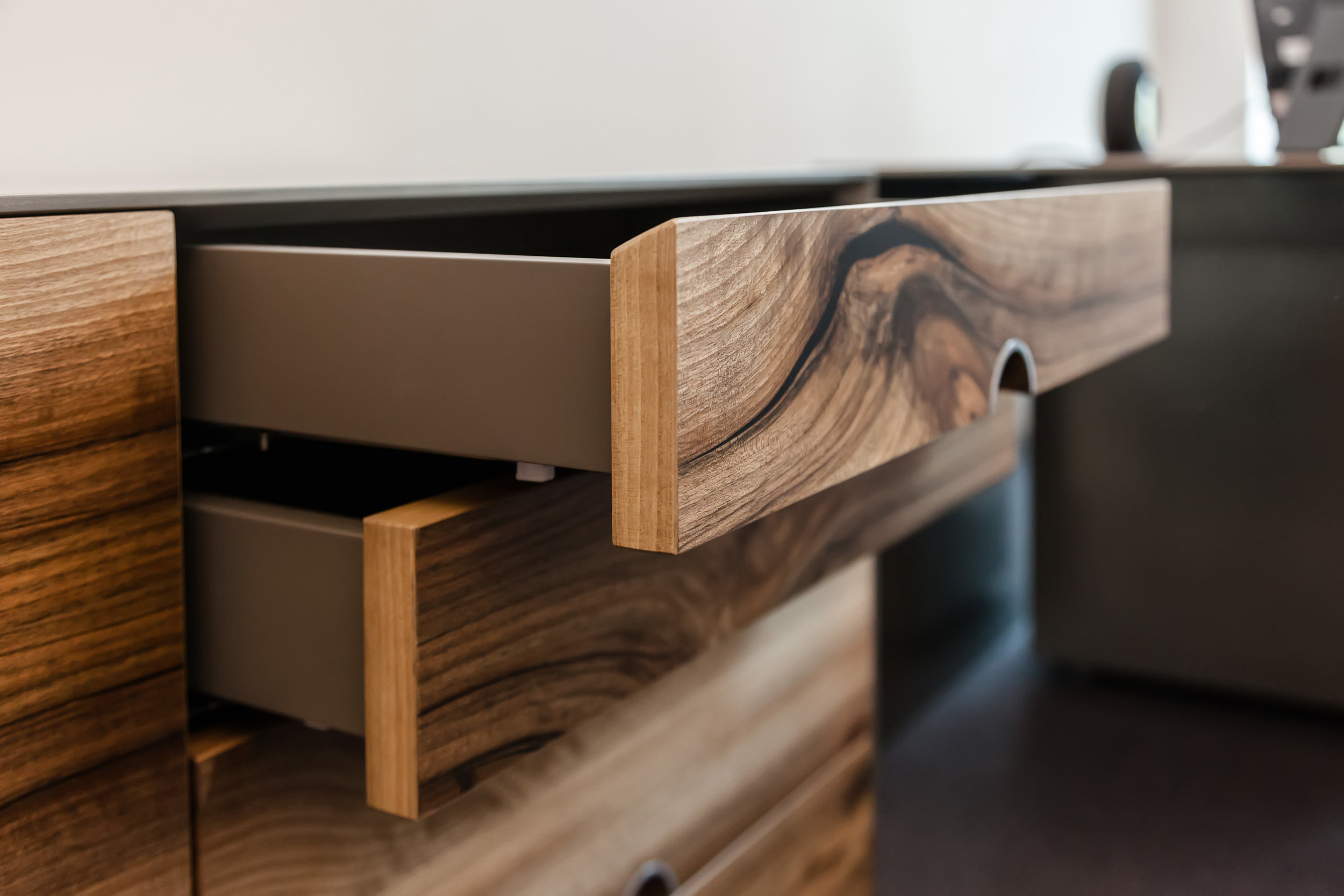 chest_of_drawers-alm_02.jpg