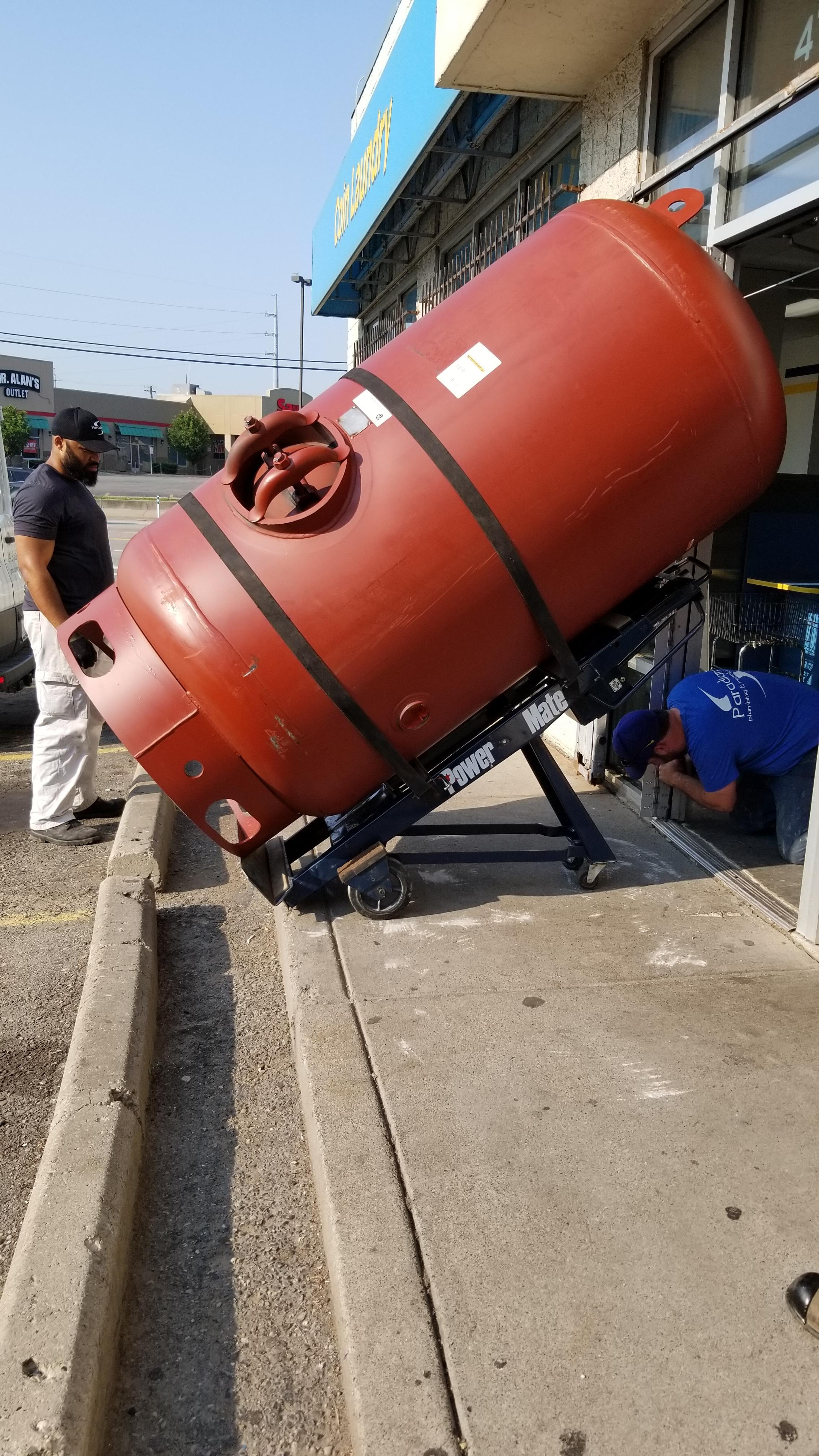 500 gallon tank.jpg