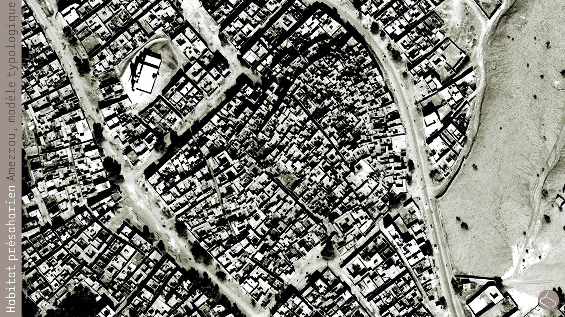 """0. Mais les aménagements urbains """"moderns"""" ne doivent pas se consacrer ni à la vigilance du passage des caravanes, ni à la protection de la population. Or, il y a des cas où le modèle """"ksarien"""" peut être toujours valide, avec des petits changements. C'est le cas d'Amezrou, dans la palmeraie de Fezouata, à Zagora. Un ksar au bord de la palmeraie qui est toujours occupé et qui a suivi des extensions jusqu'à donner origine à tout un quartier.       10. But """"modern"""" urban development should not focus nor the vigilance of the passage of caravans, or the protection of the population any more. However, there are cases where the """"ksarian"""" model may still be valid, with small changes. This is the case of Amezrou, in the oasis of Fezouata, Zagora. A ksar at the edge of the palm grove which is still occupied and carrying out extensions to give rise to an entire neighbourhood.     Ksar Amezrou: https://goo.gl/photos/ZDek112wAjJiNnFh7"""