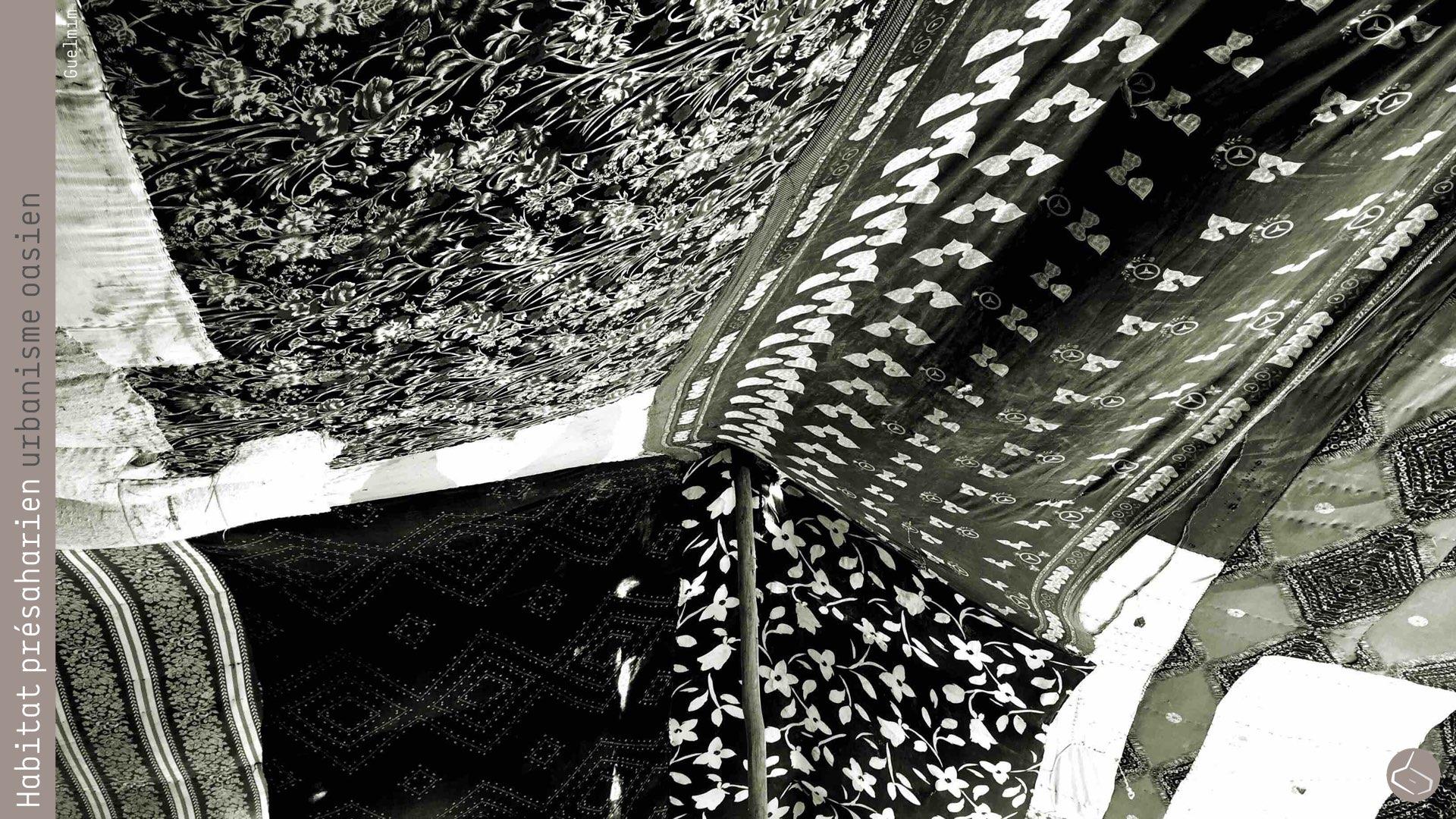 39. Parfois, ils ont besoin de tentes plus légères et faciles à monter et démonter, pour cela ils réutilisent des tissus pour fabriquer des tentes a double, ou même triple, couche, en fonction des performances requises. Ce tissu peut aussi être étanche, en rajoutant une couche en plastique (par exemple avec des grands sacs en plastiques usés dans l'agriculture).       39. Sometimes they need tents more light and easy to assemble and disassemble, for that reason they recycle fabrics to make tents with double or even triple layer, depending on the required performance. This fabric can also be waterproof, by adding a plastic layer (for example, with large bags in plastic used in agriculture).