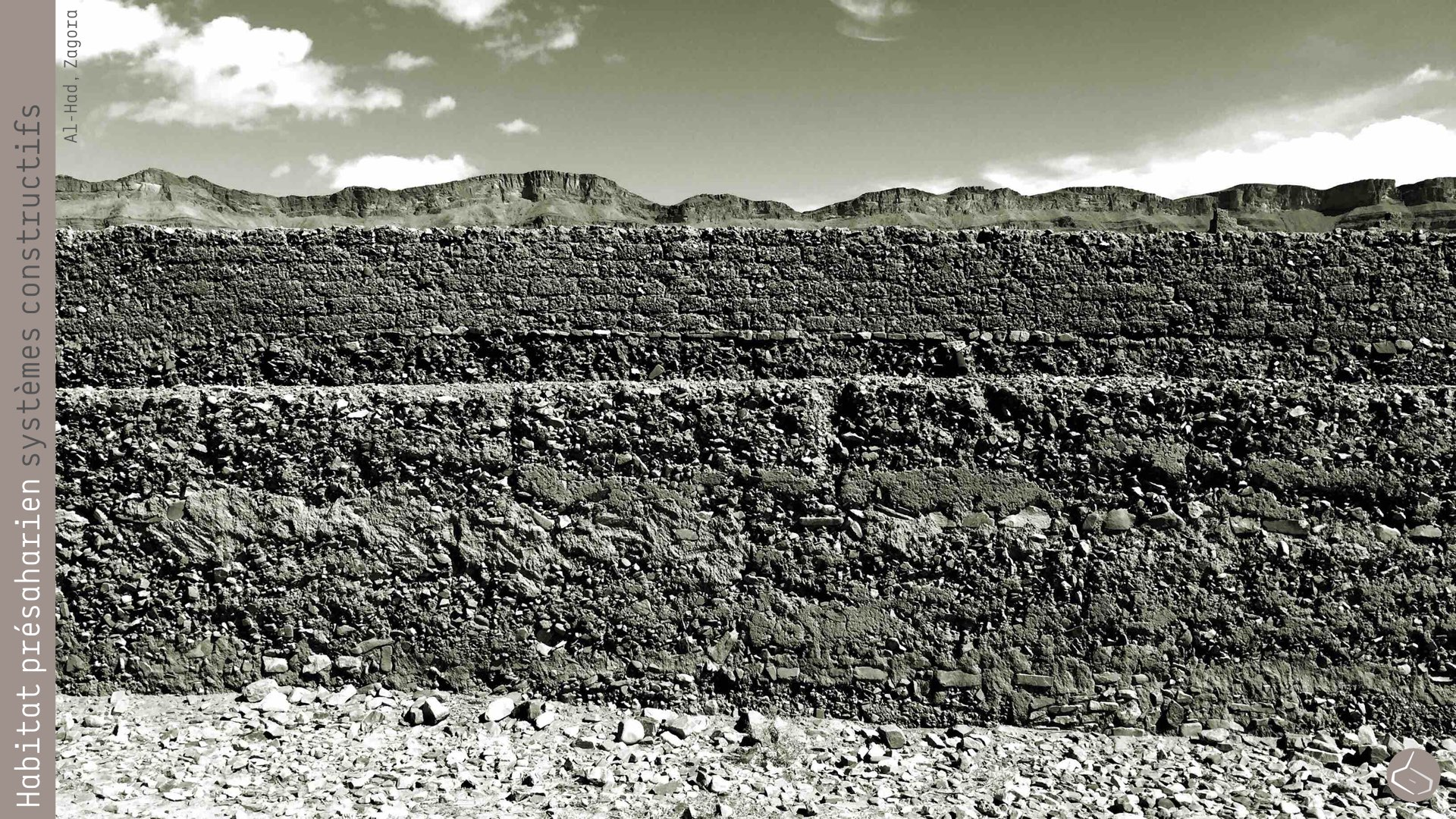 55. Sauf le règlement parasismique il n'y a pas d'autres règlements qui puissent aider à mieux construire ou réhabiliter en terre.       55. Unless the seismic regulation, there are no other regulations that can help better build or rehabilitate in rammed earth.