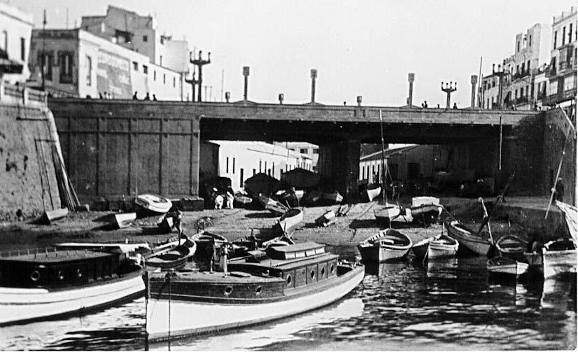 Viaducto de la Almina tras su inauguración y anterior a las obras de construcción del Mercado Central. Foto Calatayud.