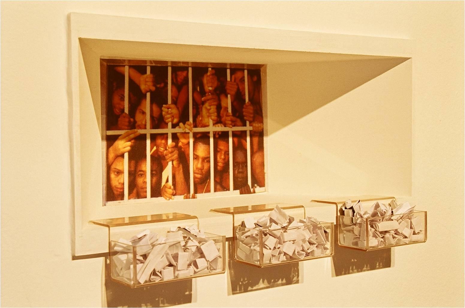 Giovana Zimermann, O Lugar do Outro  , instalação,  2004