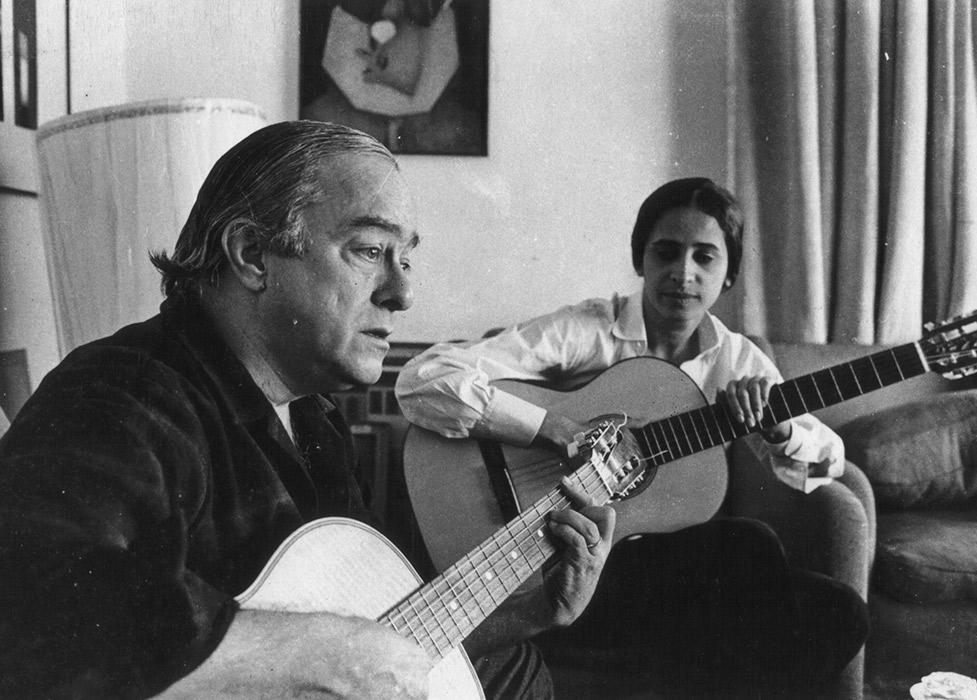 Maria Bethânia com Vinicius de Moraes em 1965