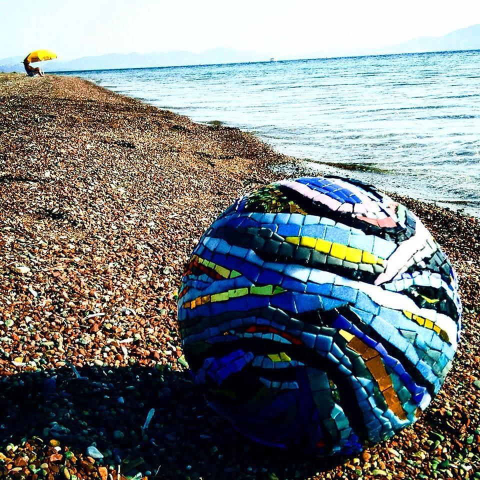 "Olga Goulandris, série da individual ""Rolling Stones"", 2016, mosaico - Grécia"