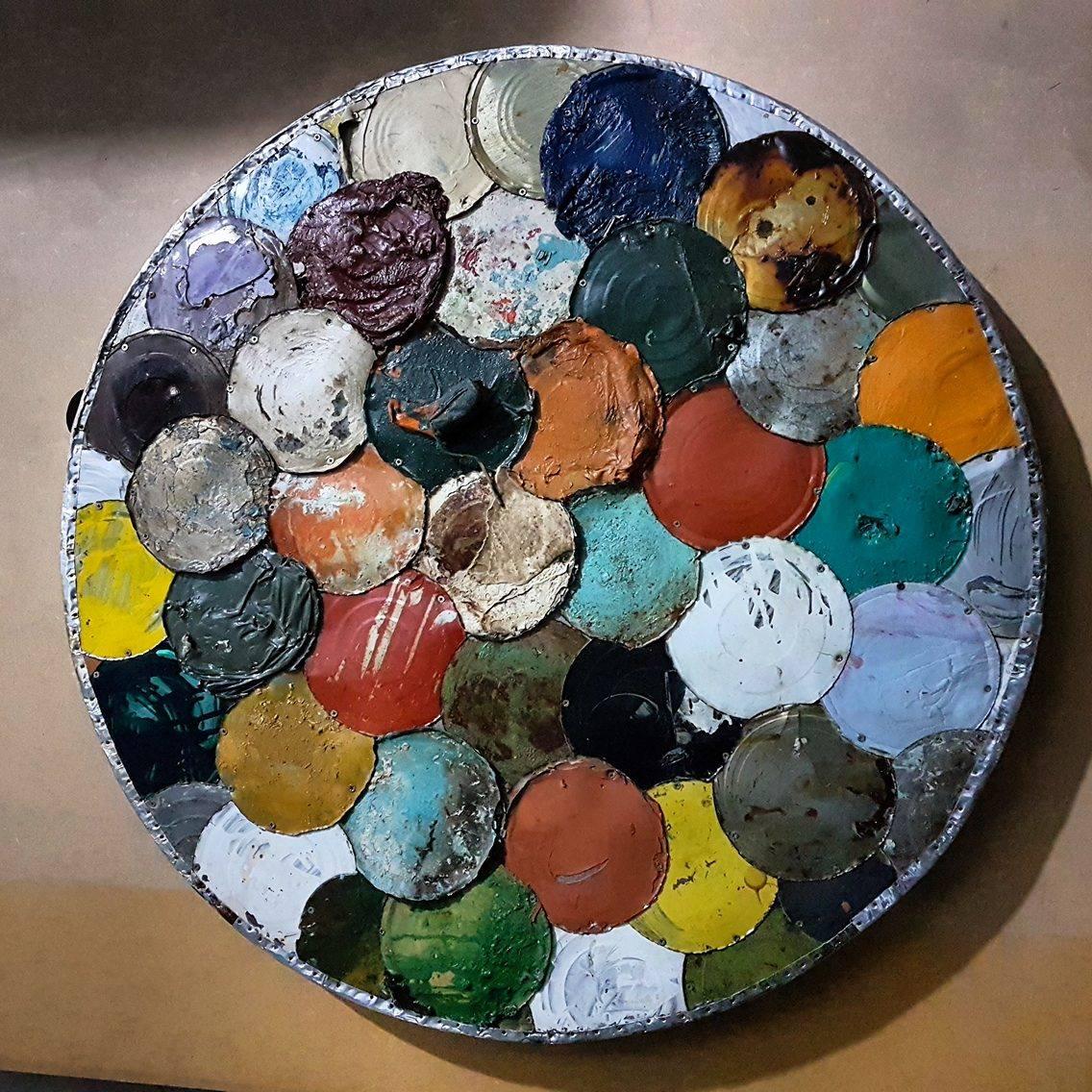 """Raimundo Rodriguez """"pinta"""" a partir de objetos existentes, recriando-os para novos olhares"""